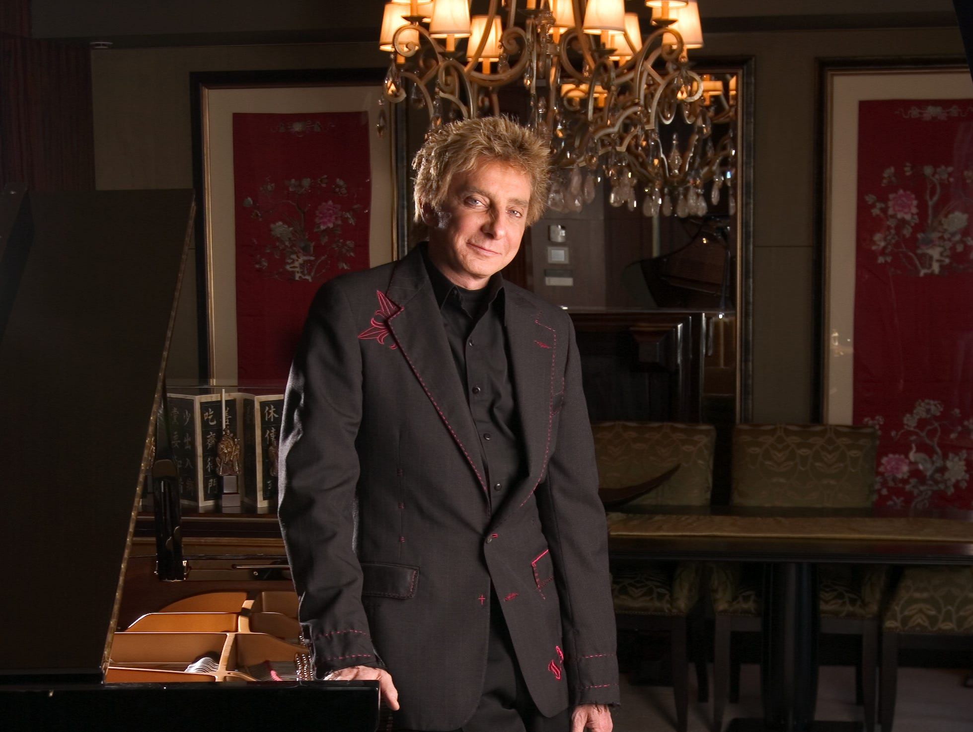 "Barry Manilow is photographed at the Mandarin Hotel in New York on Jan. 25, 2005. He was promoting ""The Greatest Songs of the Fifties"" disc."