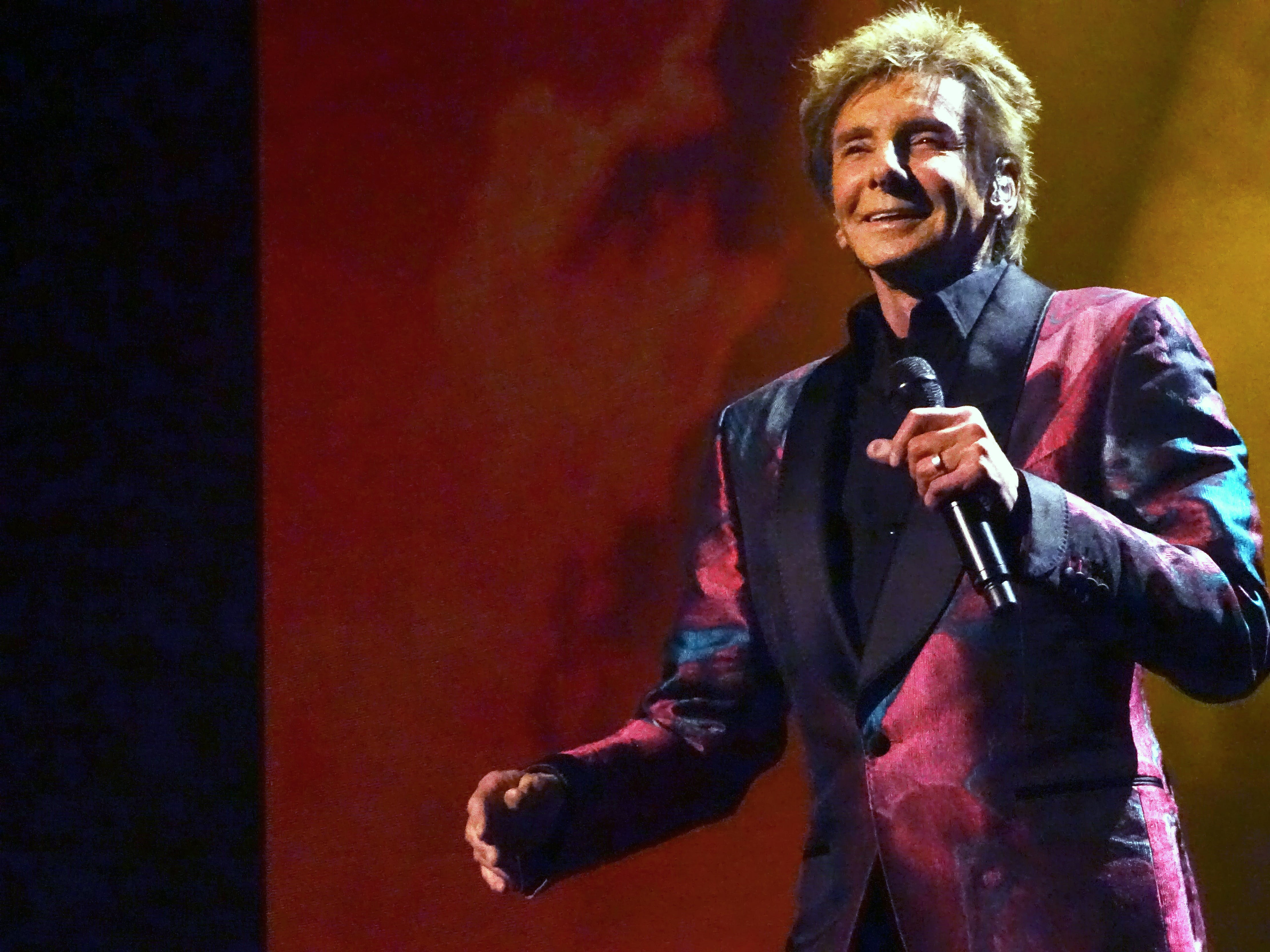"""Barry Manilow loves his audiences. """"I could make them feel good,"""" he says. """"That was a great job."""""""