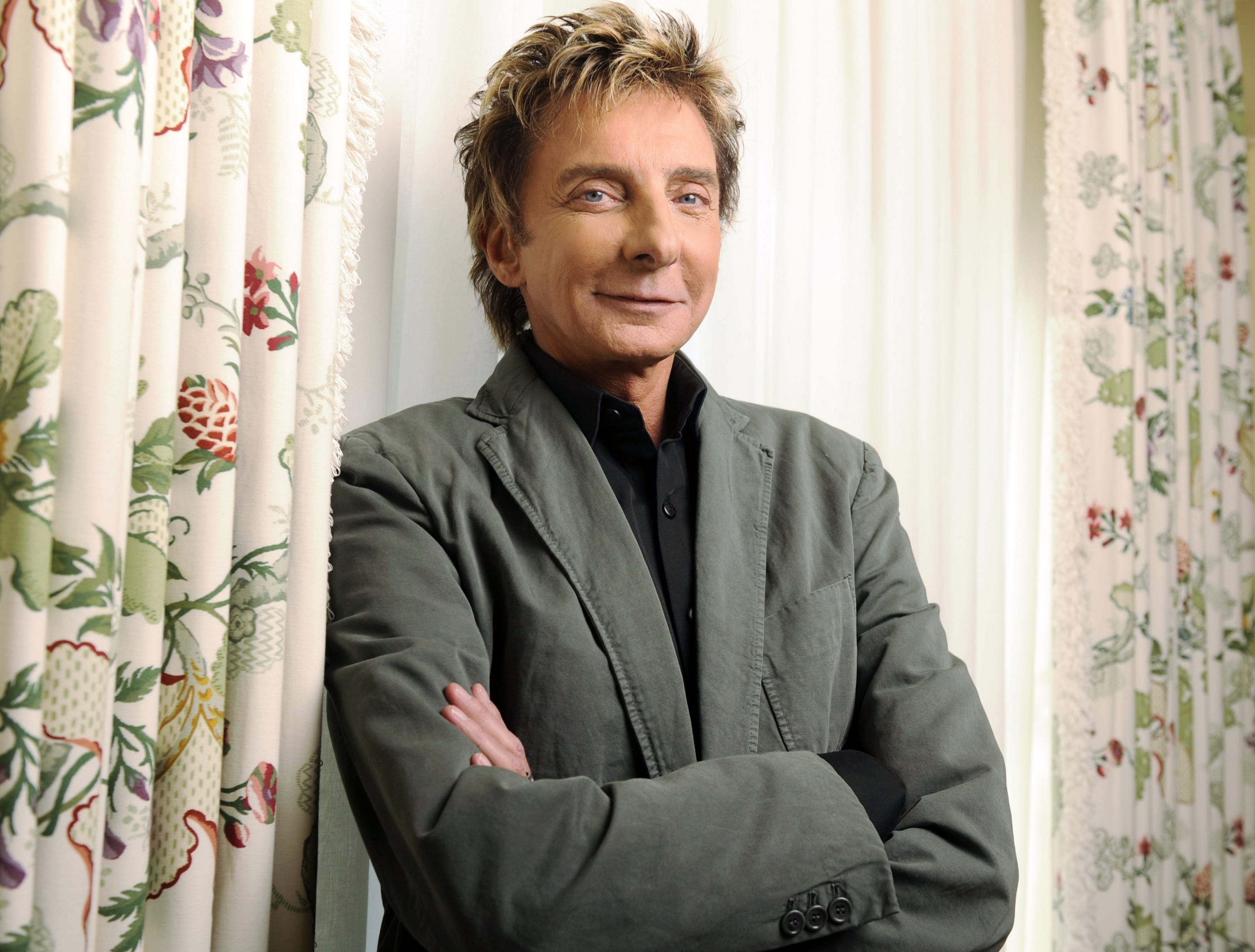 Barry Manilow poses for a portrait at the Peninsula Hotel in Beverly Hills, Calif., on Nov. 10, 2008.