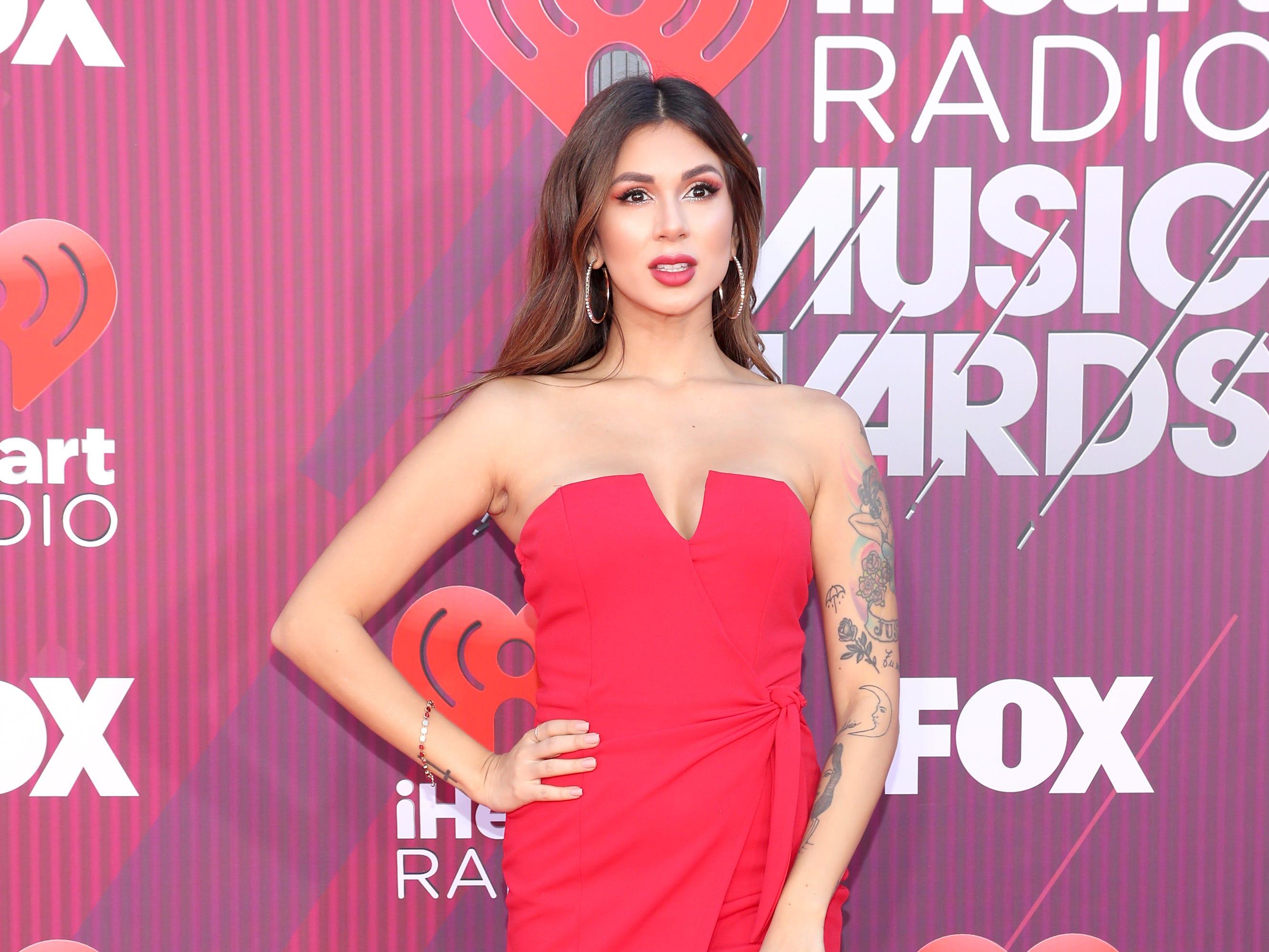 Valeria Sibaja a su llegada a los premios iHeart Radio Music Awards en 2019 el 14 de marzo de 2019 en Los Angeles, California.
