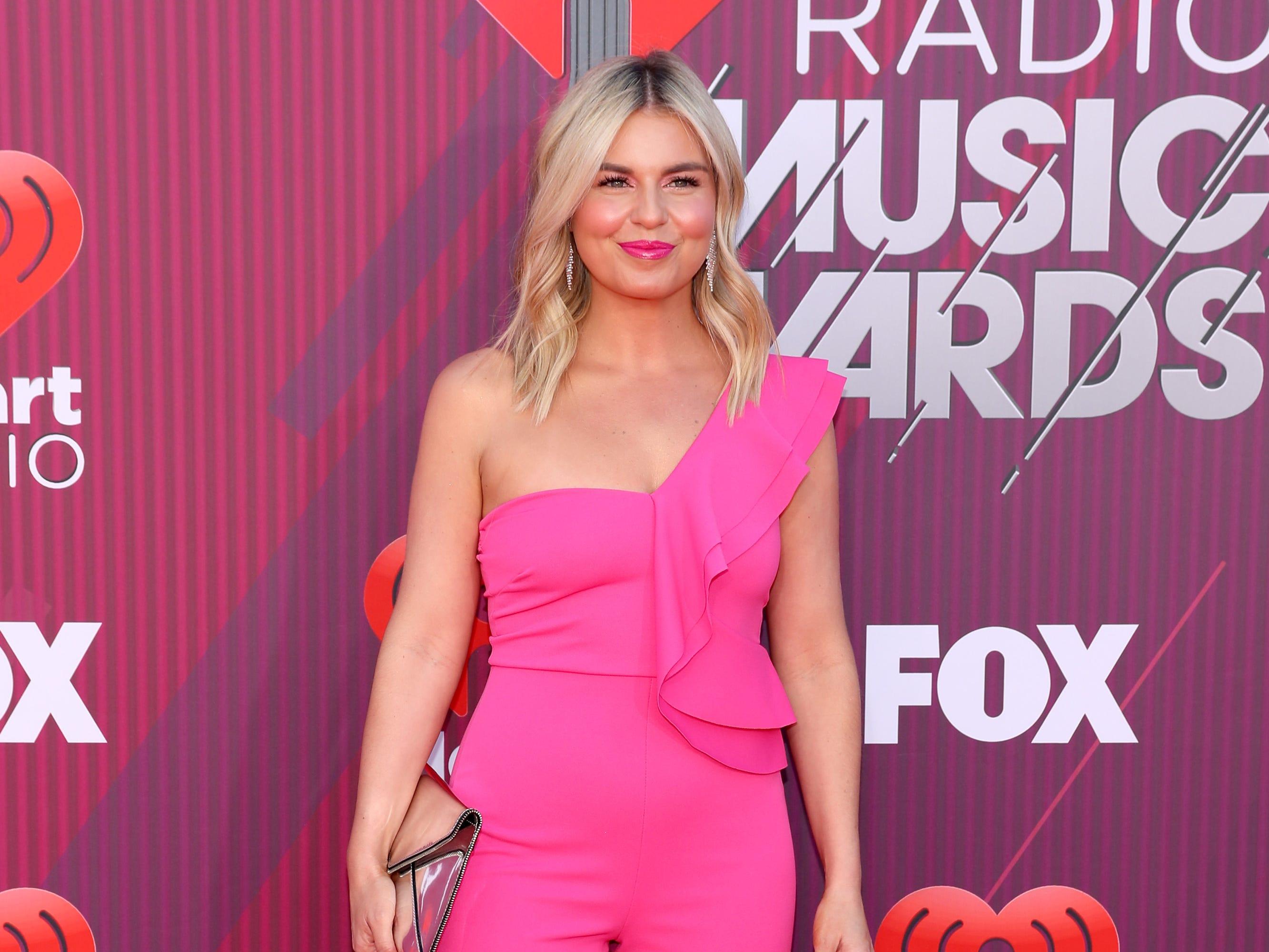 Tanya Rad a su llegada a los premios iHeart Radio Music Awards en 2019 el 14 de marzo de 2019 en Los Angeles, California.