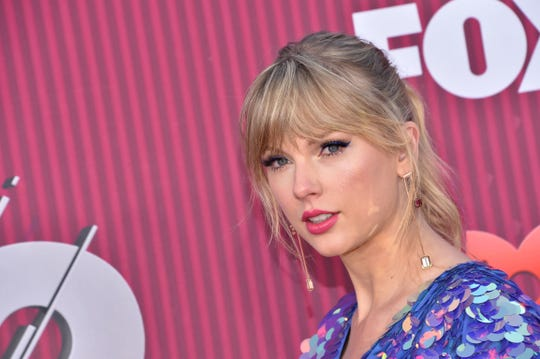 Entertainer Taylor Swift