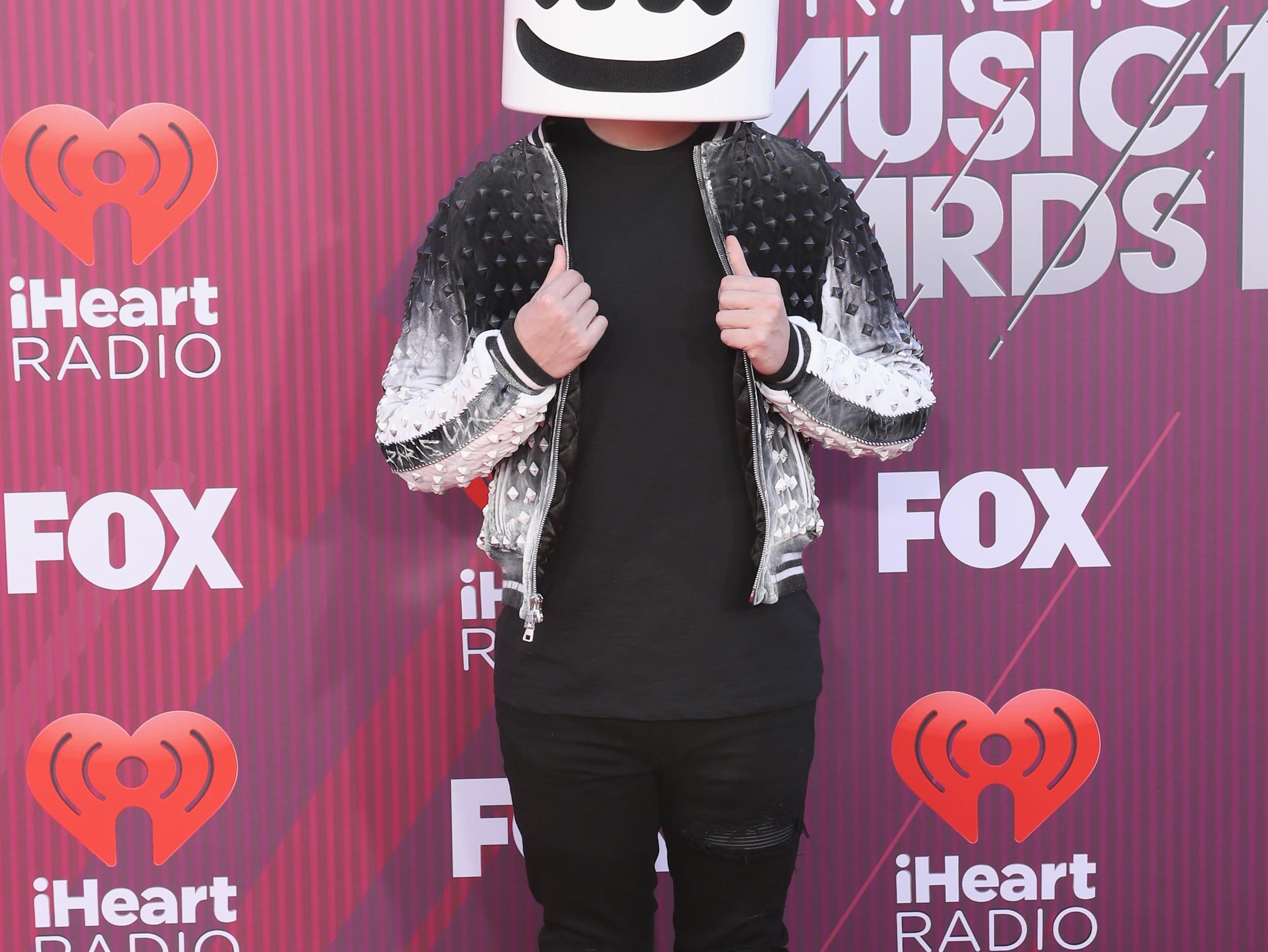 Marshmello a su llegada a los premios iHeart Radio Music Awards en 2019 el 14 de marzo de 2019 en Los Angeles, California.
