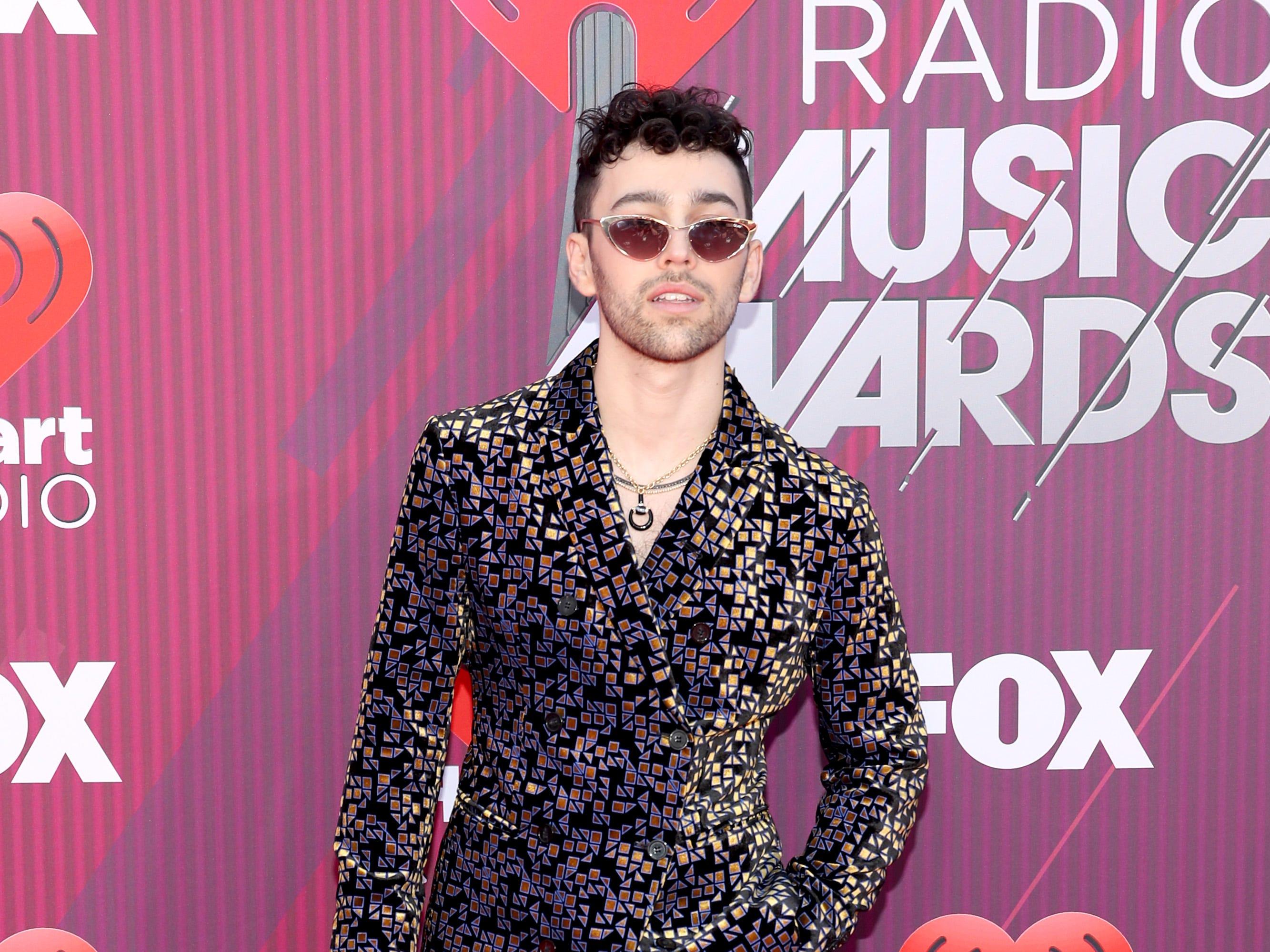 Max Schneider a su llegada a los premios iHeart Radio Music Awards en 2019 el 14 de marzo de 2019 en Los Angeles, California.