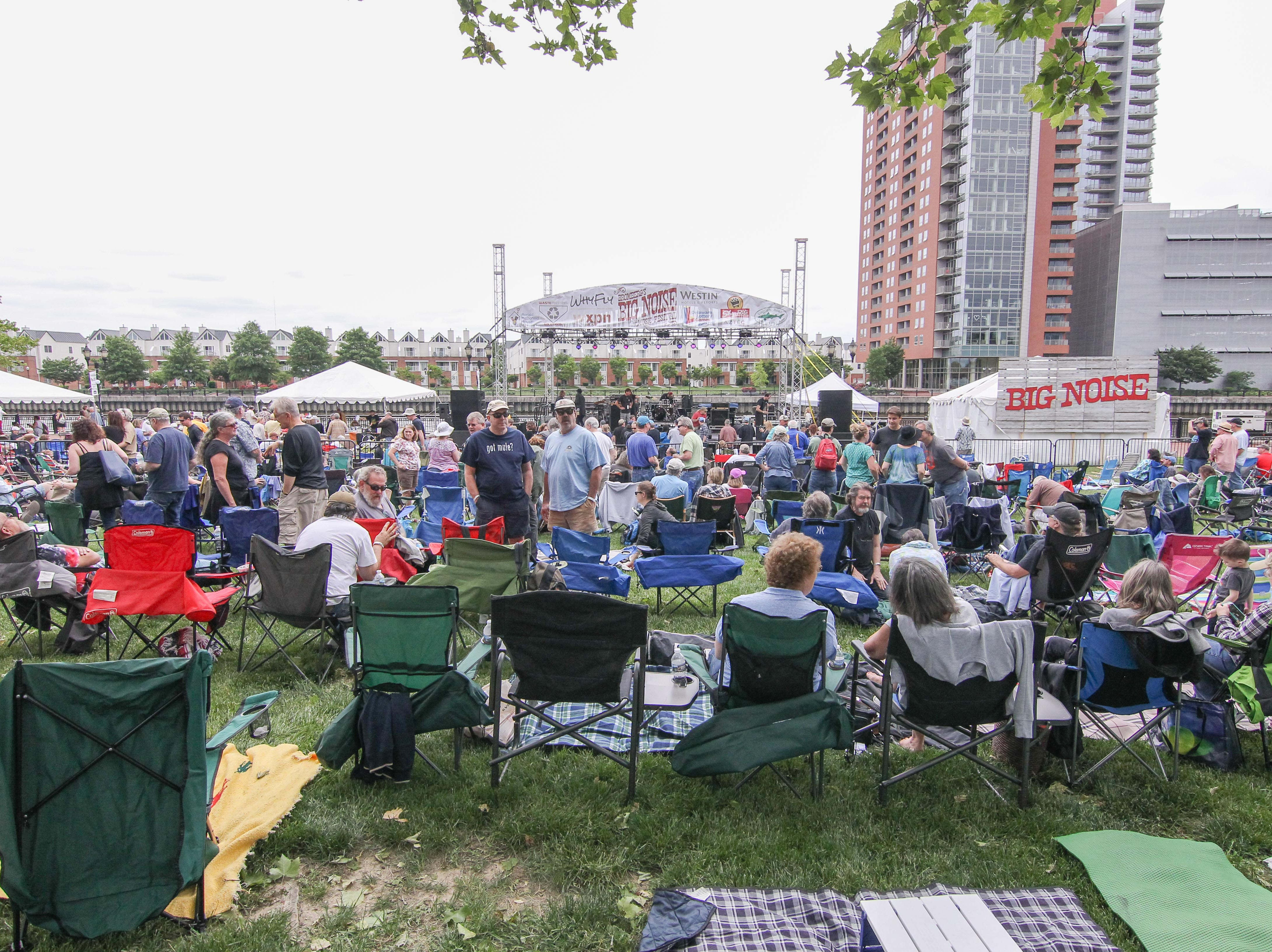 A crowd of 3,000 listens to Larry Campbell and Teresa Williams at Bromberg's Big Noise on Saturday, May 20, 2017, at Tubman Garrett Park in Wilmington.
