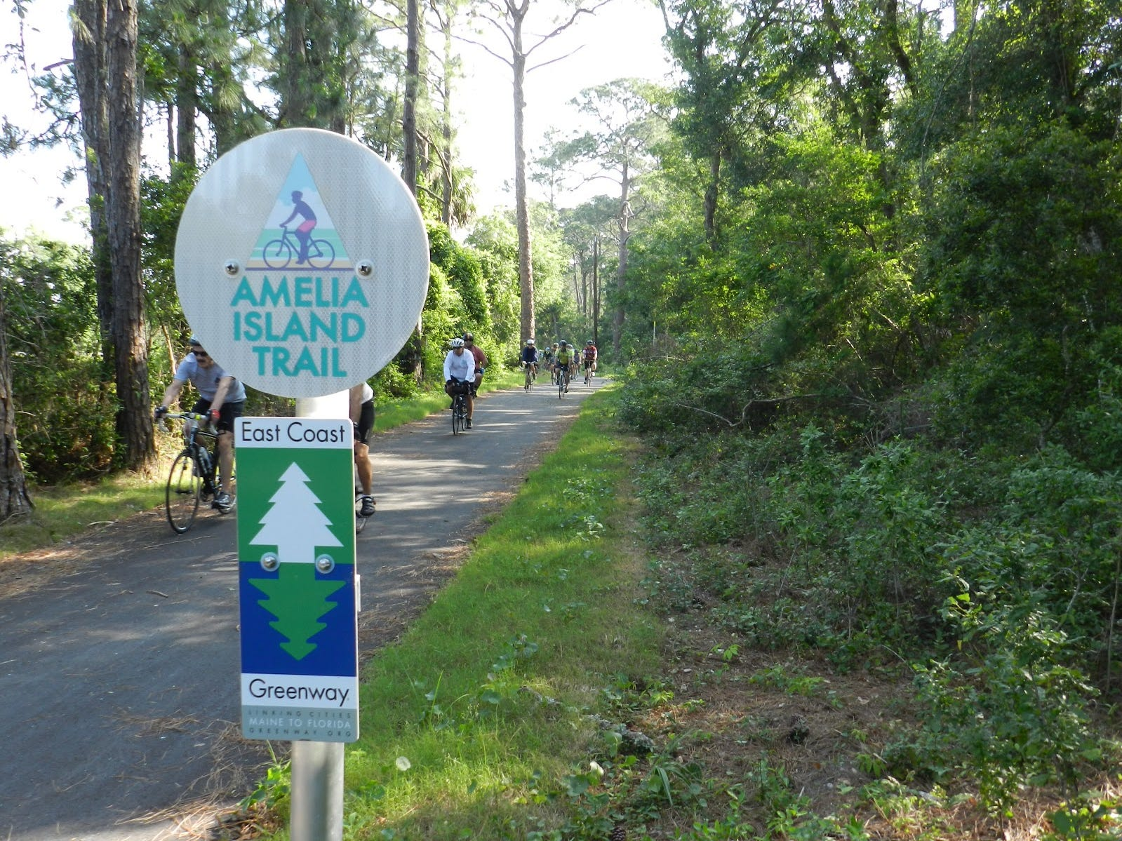 In Florida, the Amelia Island Trail leads from the scenic downtown of Fernandina Beach to follow alongside A1A on the shore.