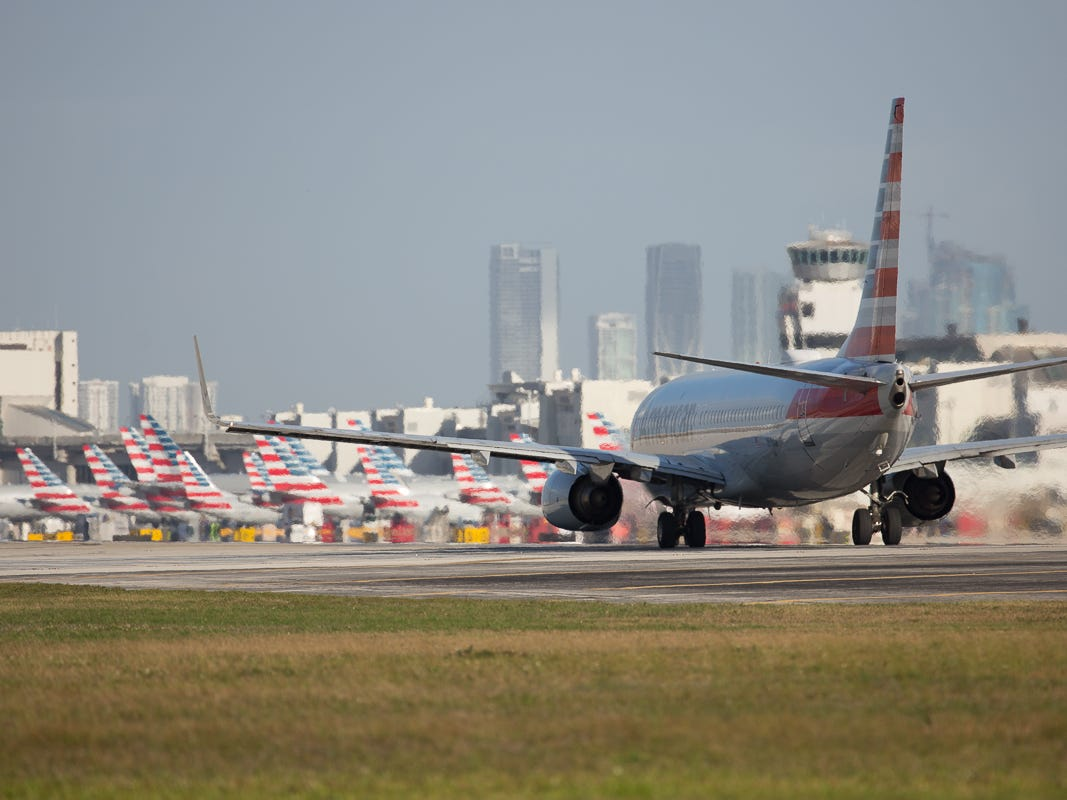 An American Airlines Boeing 737-800 lines up to depart runway 8R at Miami International Airport on Feb. 23, 2019.