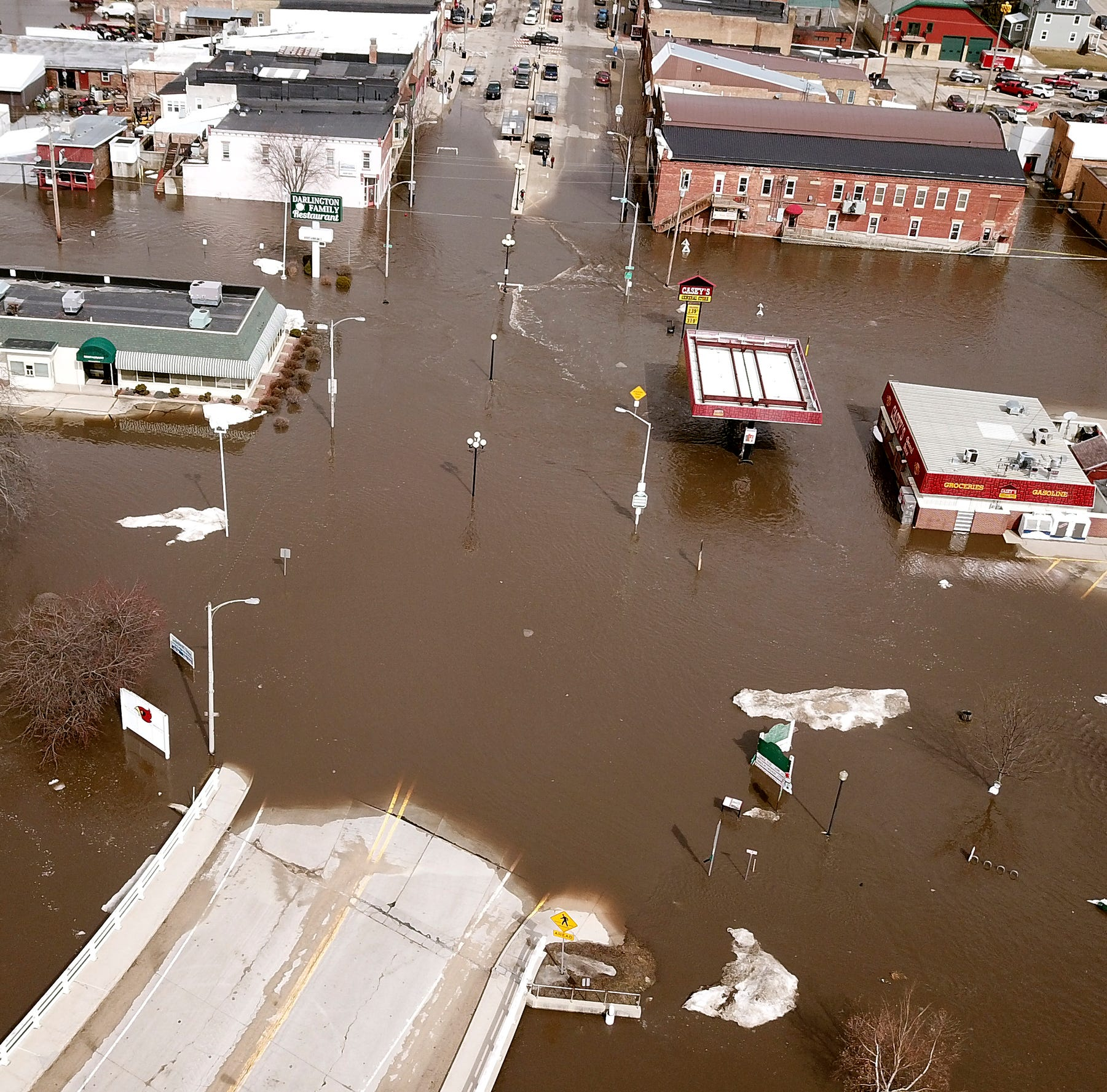 Historic, deadly Midwest floods are worst 'anybody has ever experienced' in some areas