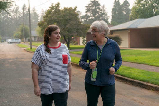 """Annie (Aidy Bryant) and her mom Vera (Julia Sweeney) on """"Shrill."""