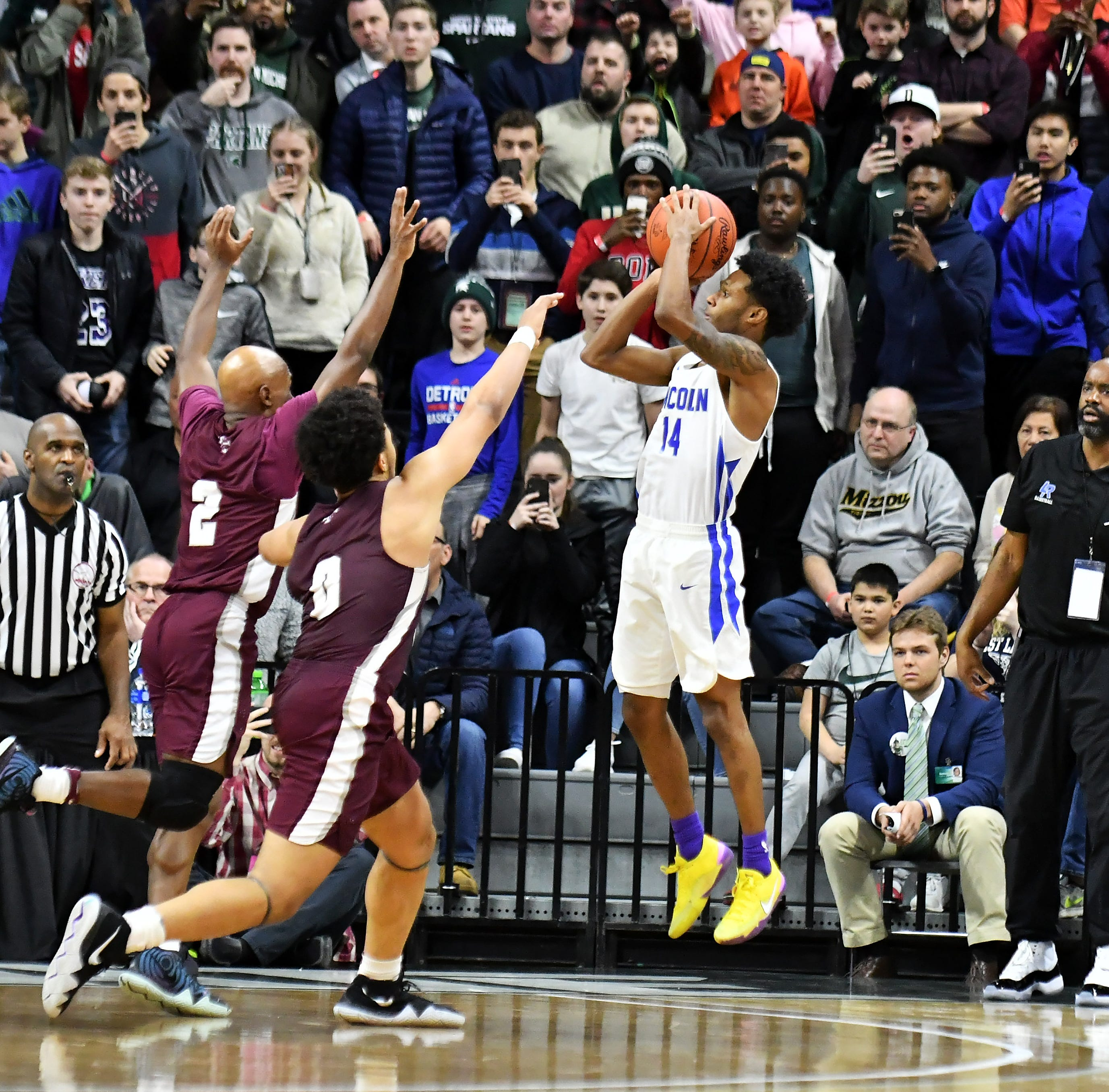 Division 1 final: Ypsilanti Lincoln shocks U-D Jesuit at the buzzer