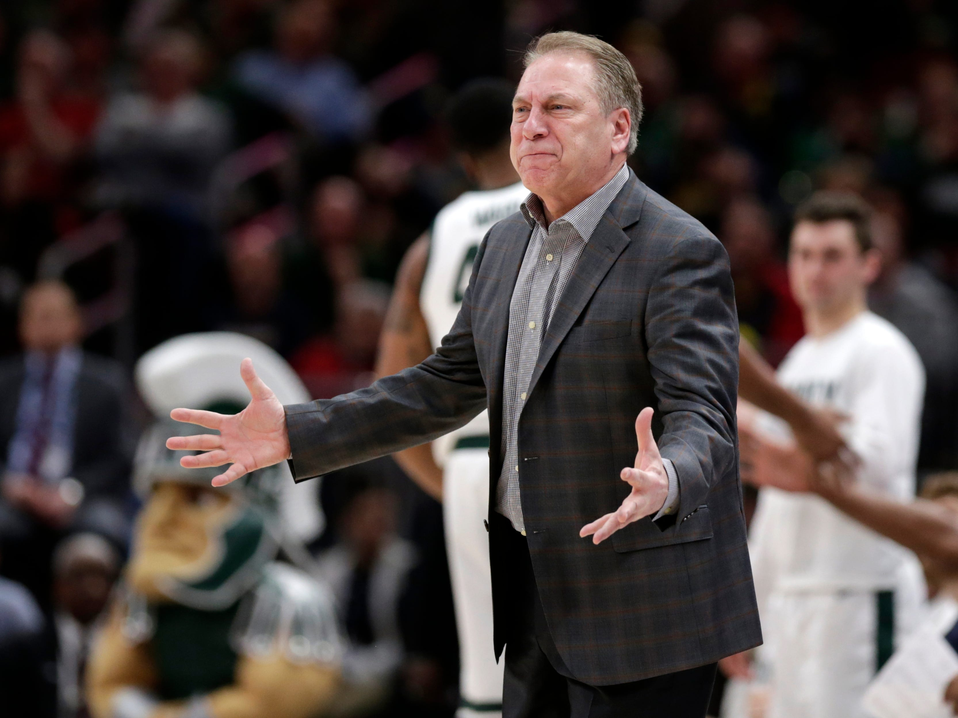 Michigan State head coach Tom Izzo argues a call during the second half.
