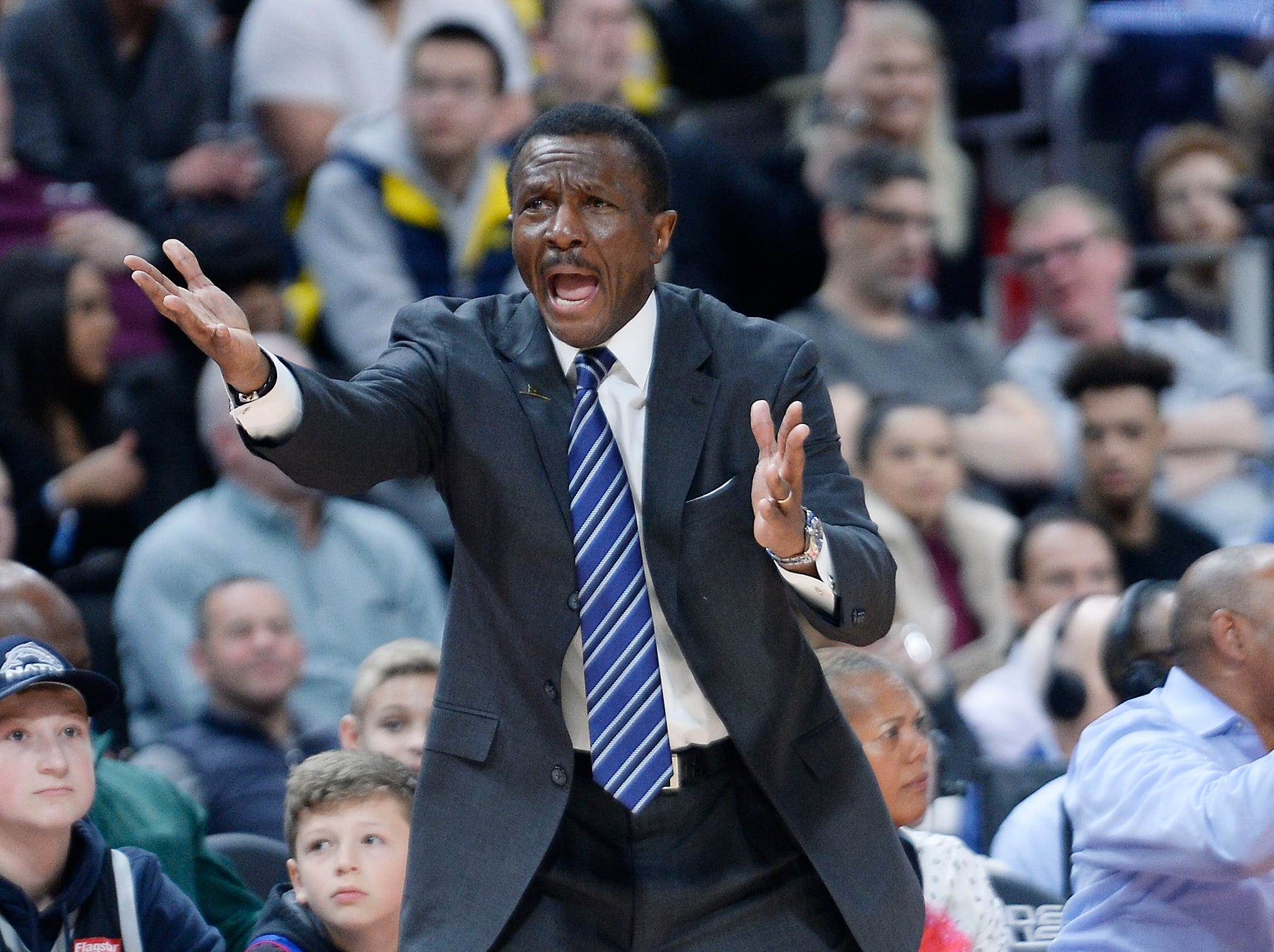 Pistons head coach Dwane Casey reacts to a foul call on Blake Griffin in the fourth quarter.