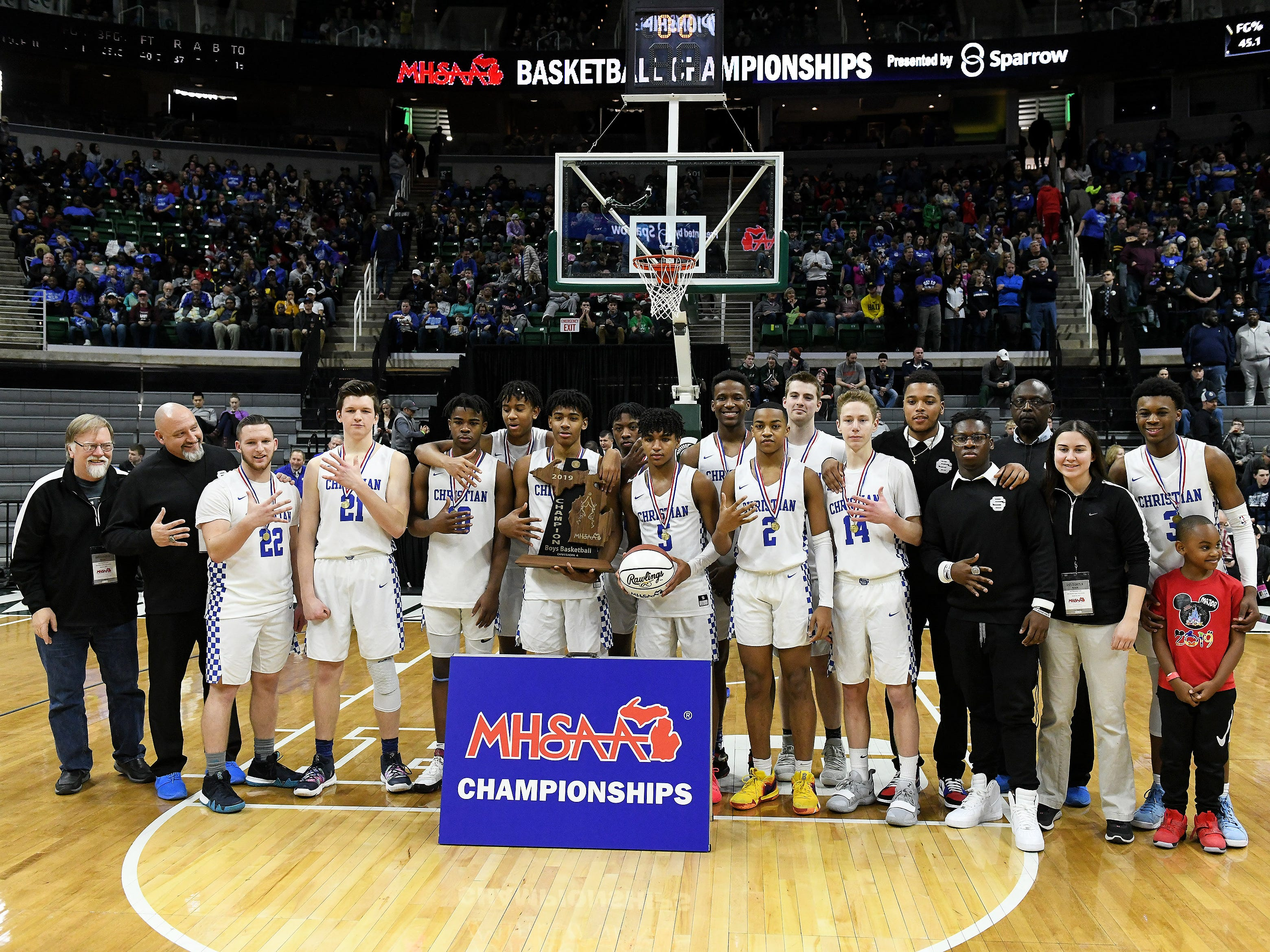 Southfield Christian beats Frankfort for the Division 4 title.