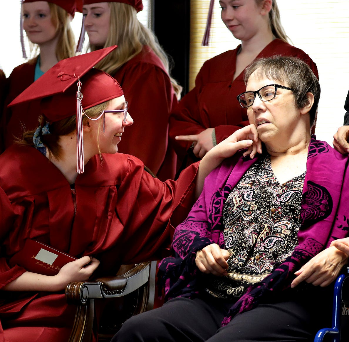 Hamilton students holds mock graduation ceremony for ill mom