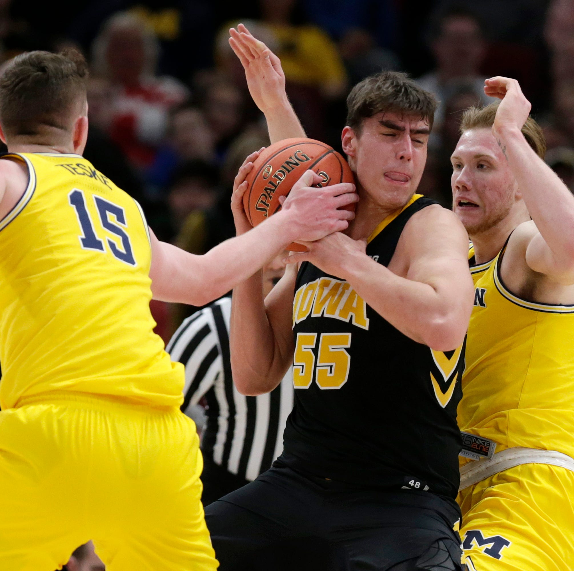 No. 11 Michigan chases Iowa out of Big Ten Tournament with quarterfinal rout