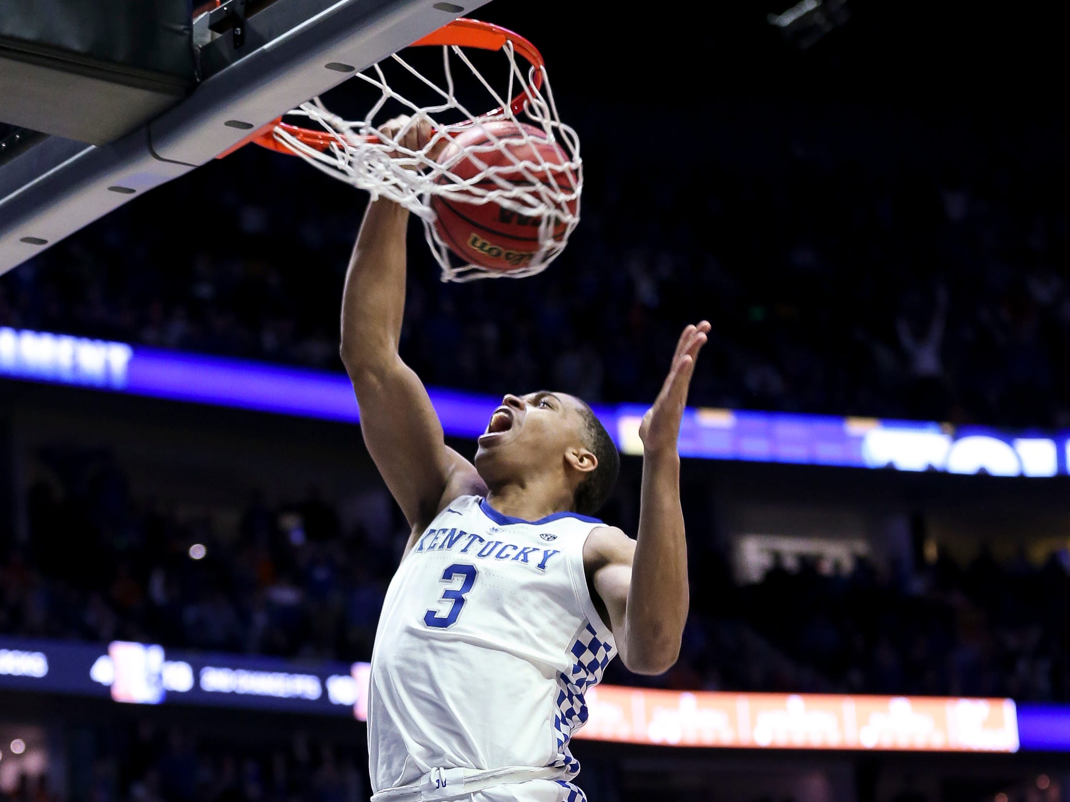 Kentucky guard Keldon Johnson (3) dunks against Tennessee during the second half of the SEC Men's Basketball Tournament semifinal game at Bridgestone Arena in Nashville, Tenn., Saturday, March 16, 2019.