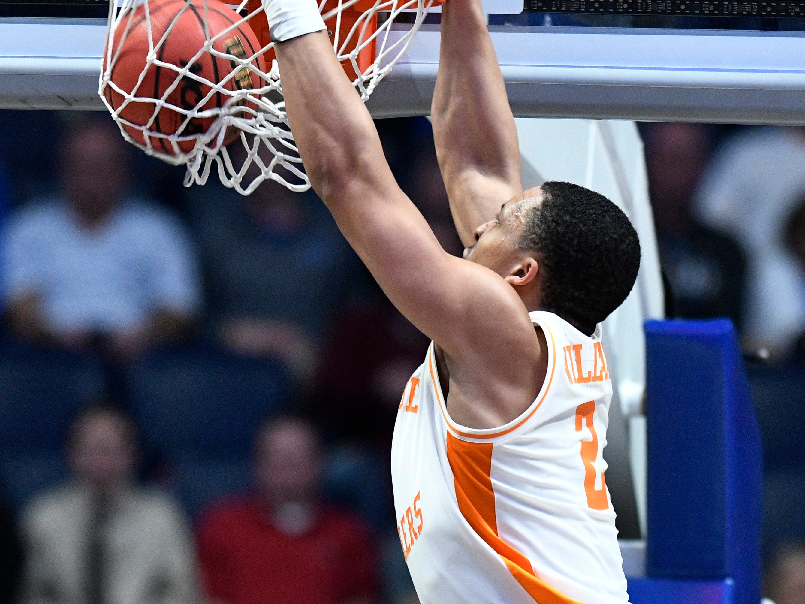 Tennessee forward Grant Williams (2) dunks during the second half of the SEC Men's Basketball Tournament game against Mississippi State at Bridgestone Arena in Nashville, Tenn., Friday, March 15, 2019.