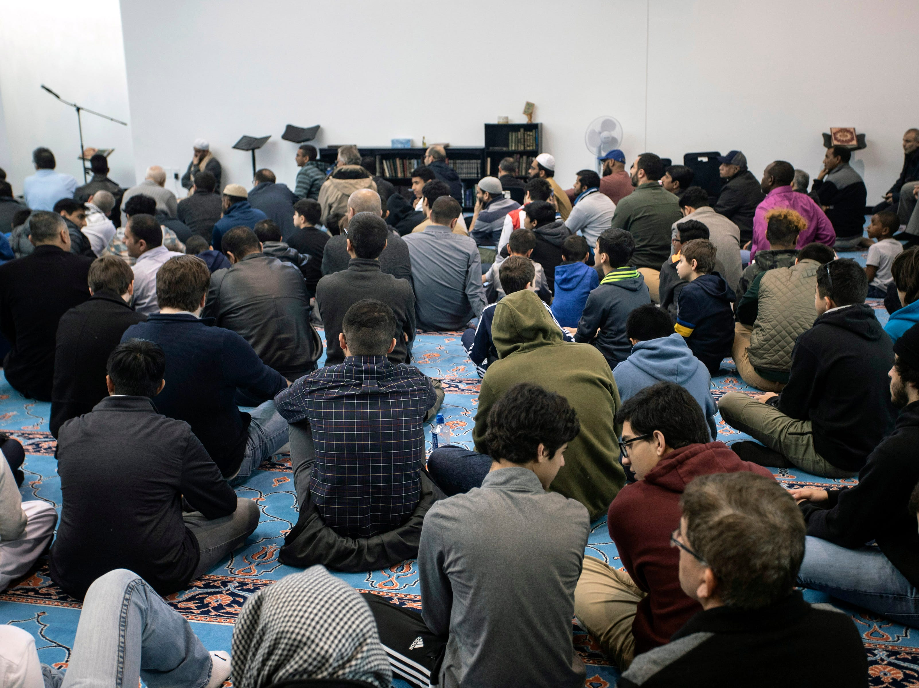 A prayer service was held at the Muslim Community Center of Louisville on Saturday afternoon to honor the victims in Friday's mosque shooting in New Zealand. 3/16/19