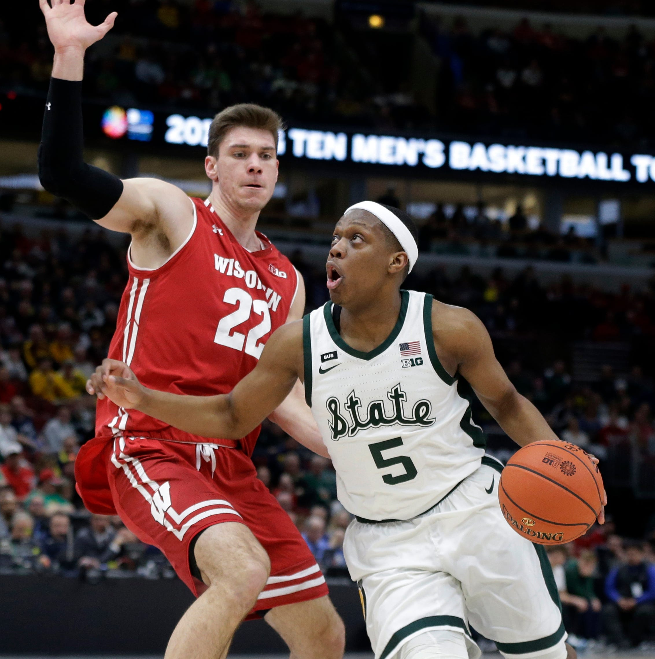 Twitter angry that Michigan State's Cassius Winston is playing with injured toe