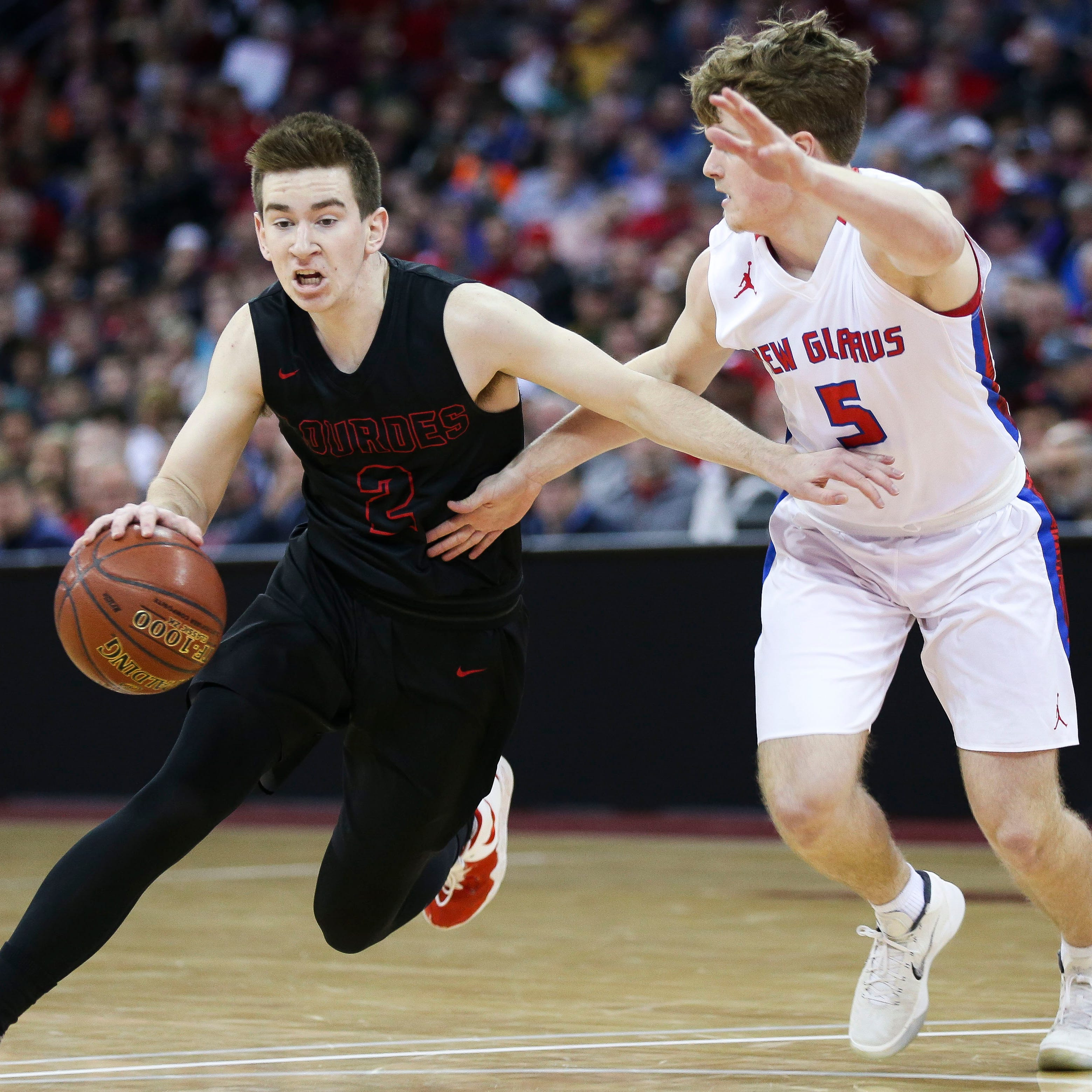 WIAA state basketball notes: Kreklow tough matchup for Lourdes