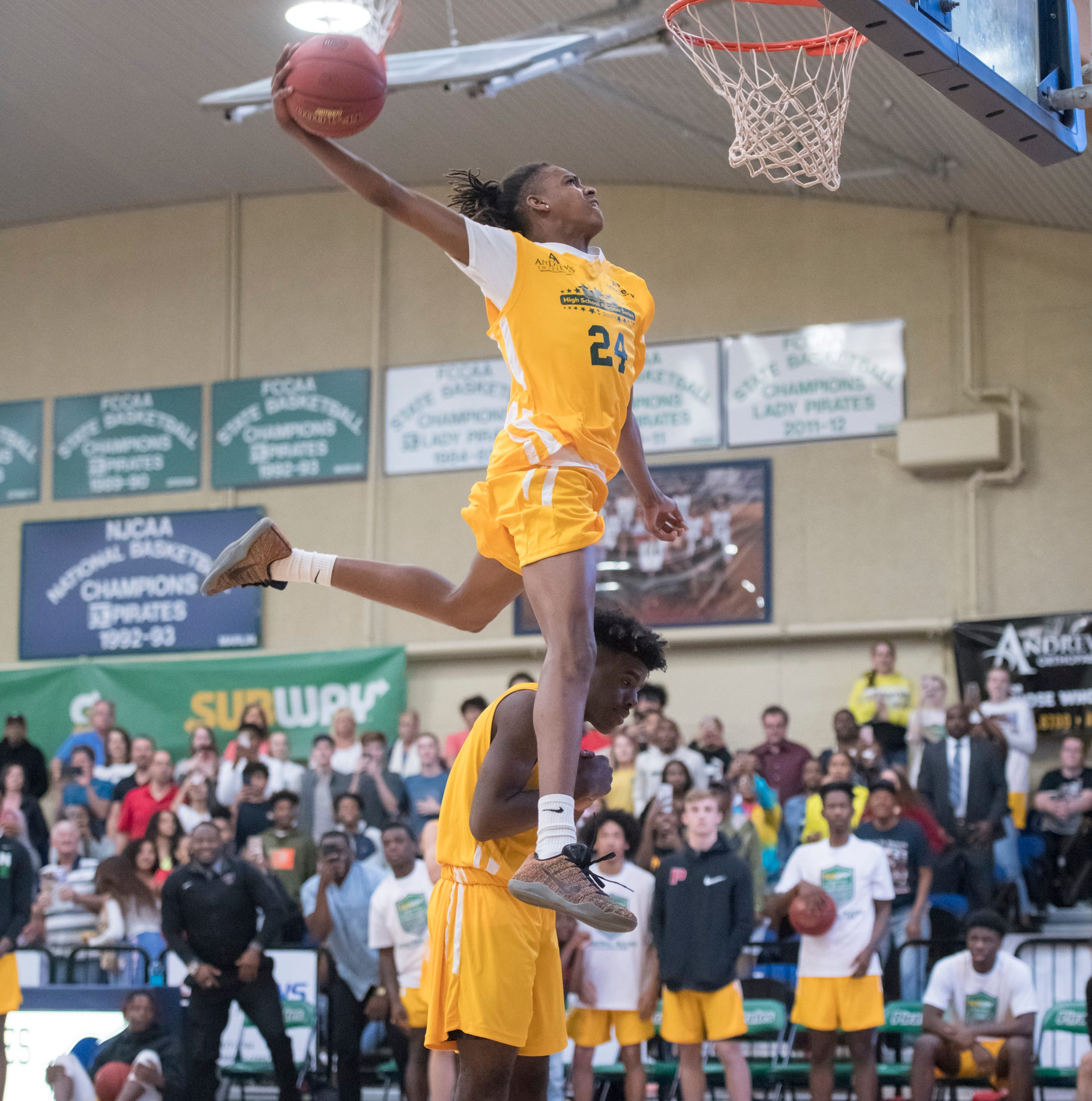 Adrian Walker, DJ McKenzie put on stunning dunk contest at Pensacola Sports All-Star game