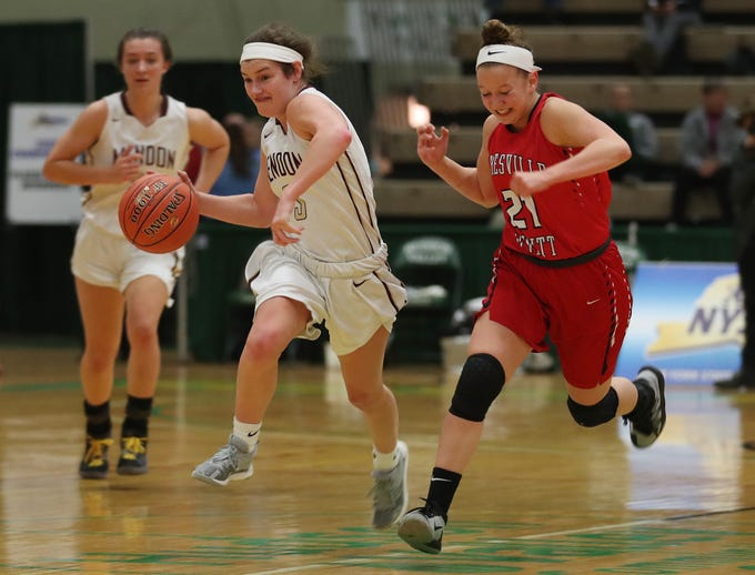 Pittsford Mendon's Ellie Mooney (3) moves the ball up the court against Jamesville- DeWitt during the girls Class A state semifinal at Hudson Valley Community College in Troy March 16, 2019.