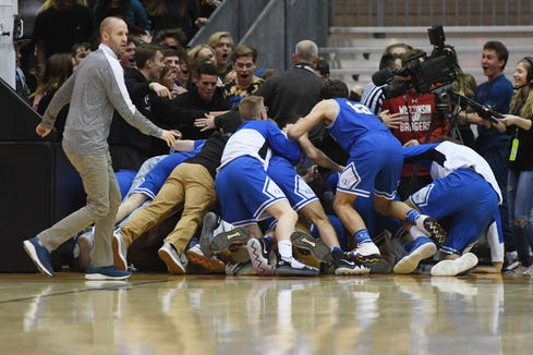 O'Gorman celebrates after their win against Yankton in the Class AA semifinals Thursday, March 15, in Rapid City.