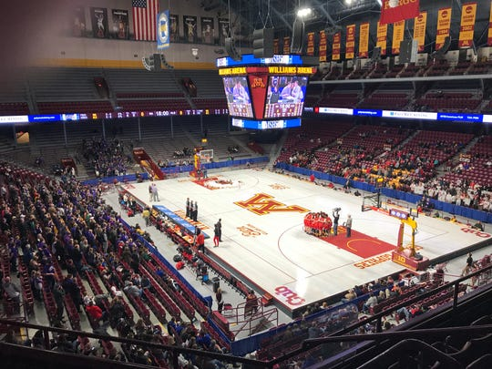 Albany and Minnehaha Academy get ready for their state Class 2A semifinal game Friday at Williams Arena. Minnehaha won 70-67.