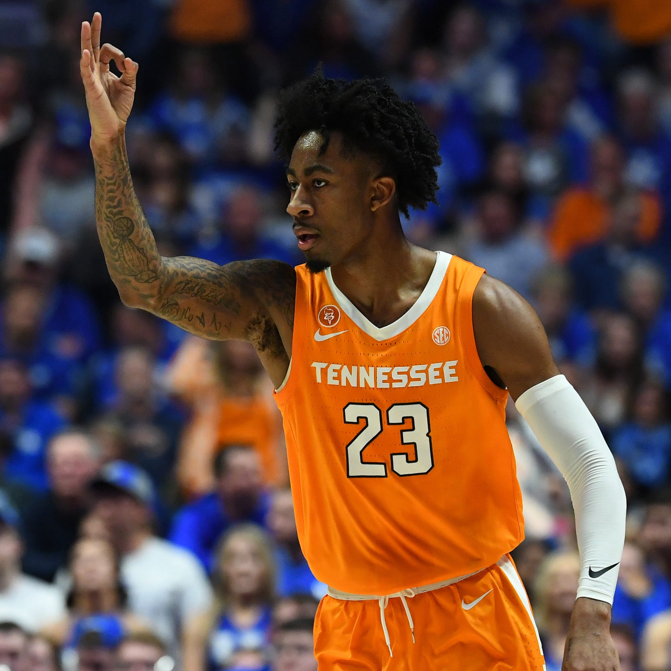 Tennessee fights off Kentucky in SEC semifinal, boosts case for a No. 1 seed