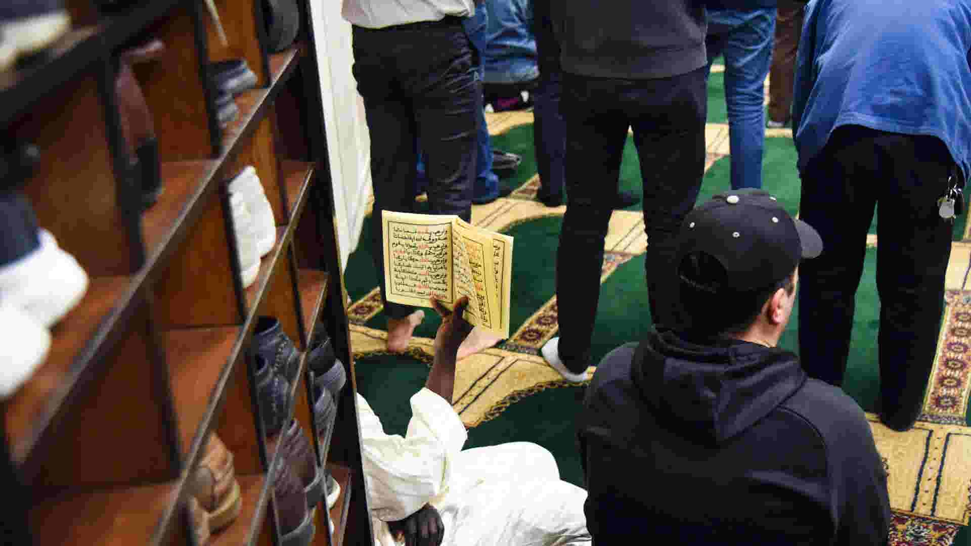 Los Angeles Increases Police Protection Around Area Mosques