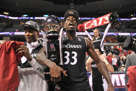 Cincinnati Bearcats center Nysier Brooks (33) celebrates after the game against the Houston Cougars in the American Athletic Conference Tournament at FedExForum.