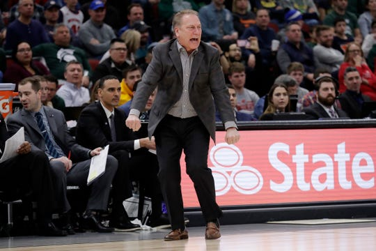 Michigan State coach Tom Izzo directs his team during the second half Saturday.