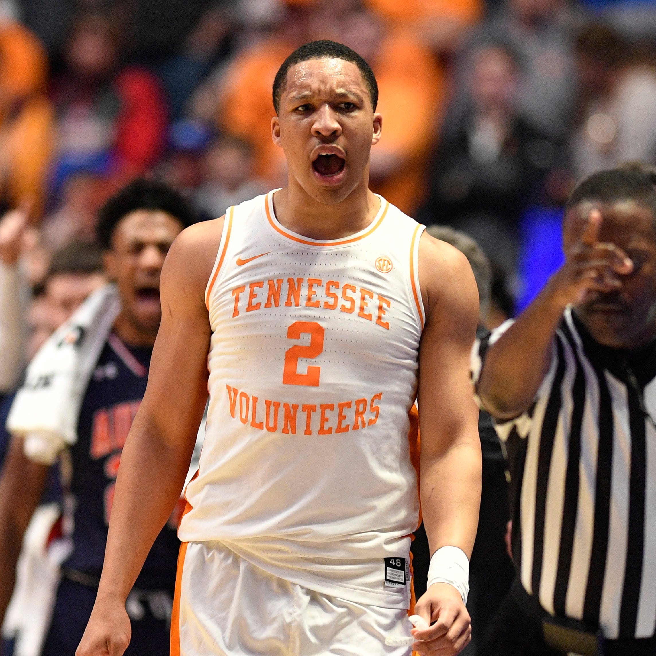 If Grant Williams, Jordan Bone return to Tennessee basketball, Vols could be SEC favorite