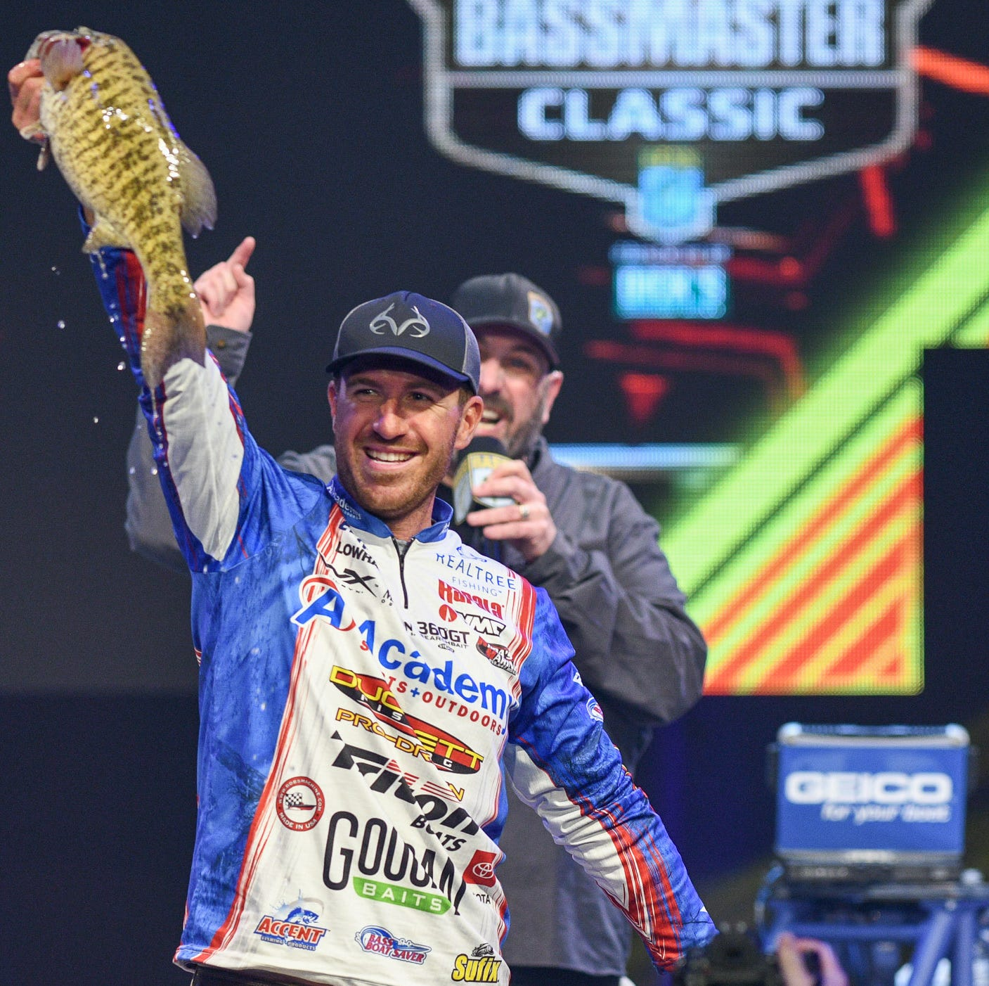 Bassmaster Classic: Jacob Wheeler takes lead entering final round in Knoxville