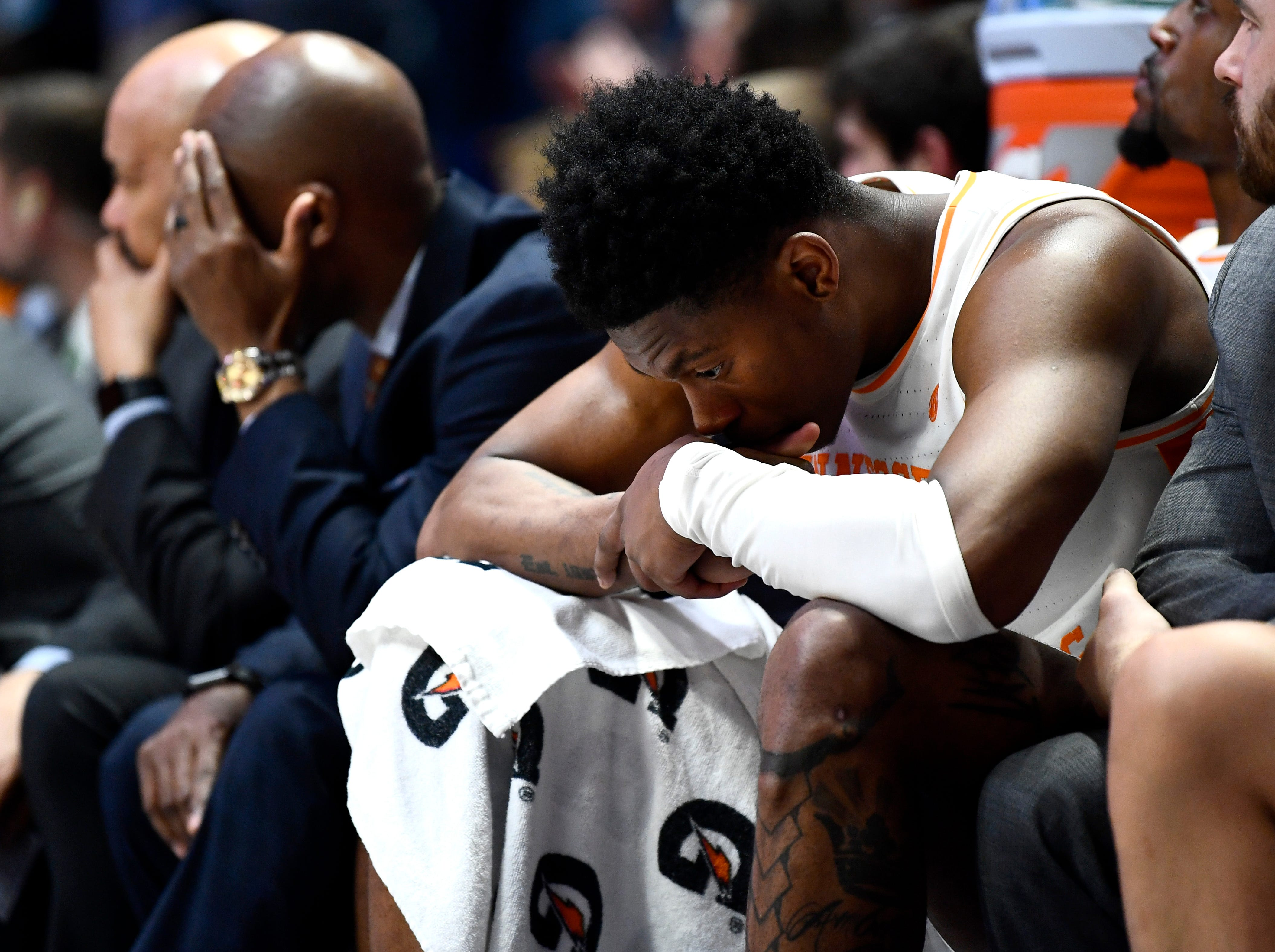 Tennessee guard Admiral Schofield (5) reacts on the bench late in the second half of the team's loss to Auburn in the SEC Men's Basketball Tournament championship game at Bridgestone Arena in Nashville, Tenn., Sunday, March 17, 2019.