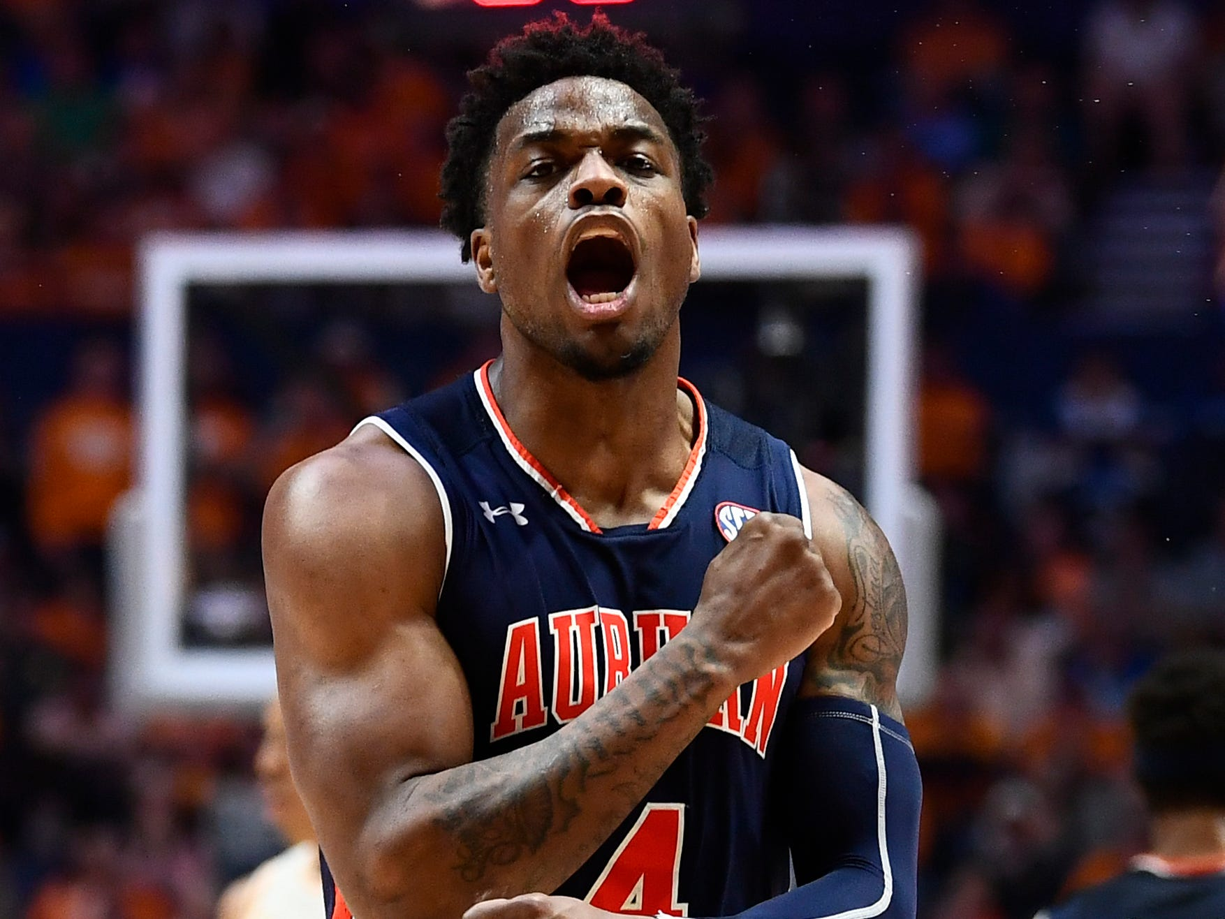 Auburn guard/forward Malik Dunbar and the Tigers rolled over the Vols on Sunday.