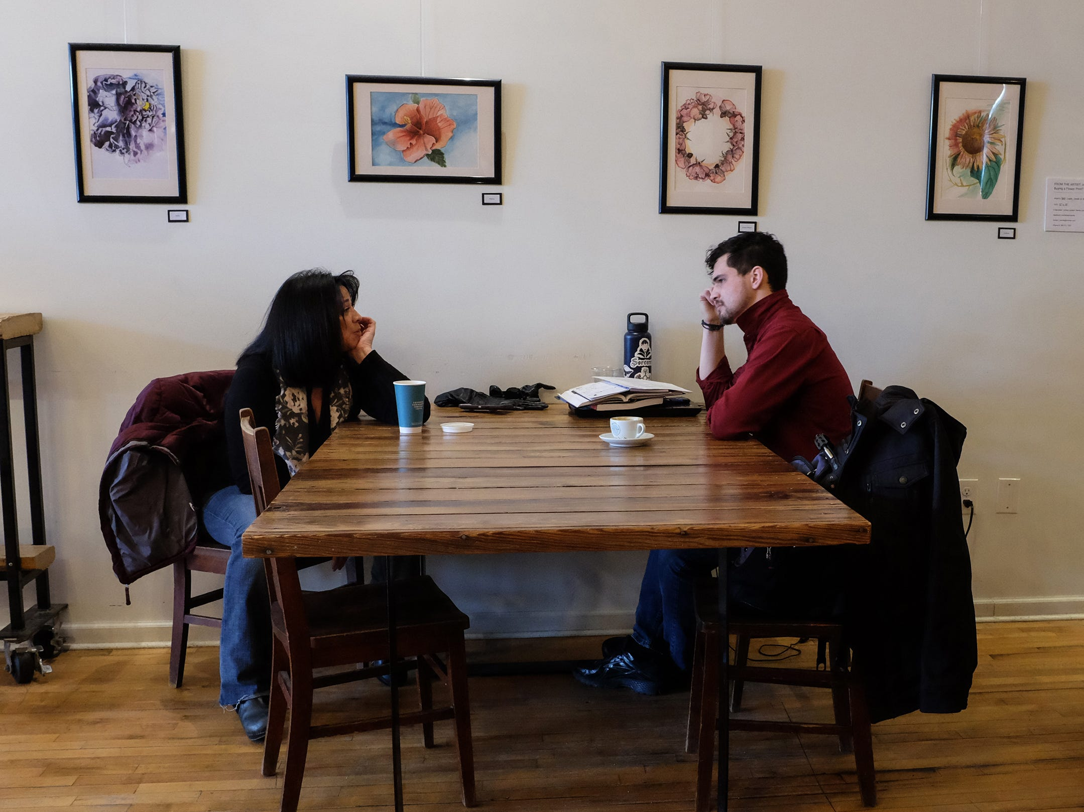 Like most coffee shops, a conversation area can be found.