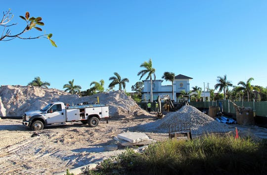Construction recently began in the parking lot of Park Shore Plaza in Naples for a free-standing building that will be home to Duck Donuts and Tipsy Salonbar.