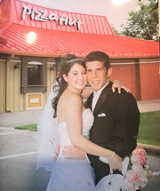Mindy and Kevin Savoni got married after meeting at Pizza Hut.