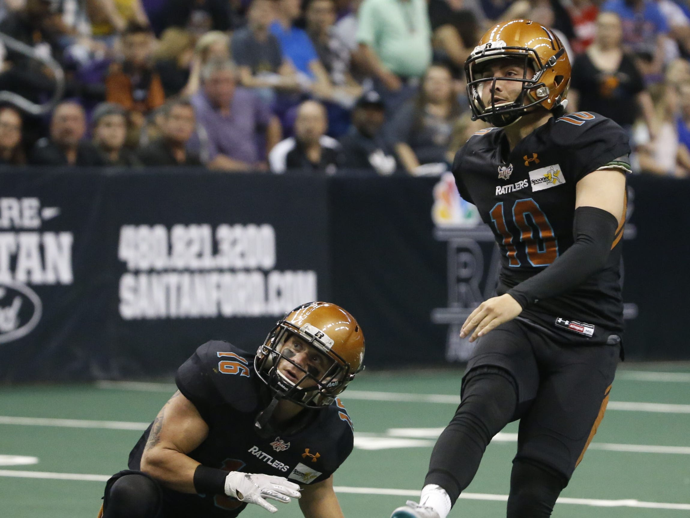 Rattlers' Jimmy Camacho (10) makes an extra point against the Sugar Skulls during the first half at Talking Stick Resort Arena in Phoenix, Ariz. on March 16, 2019.