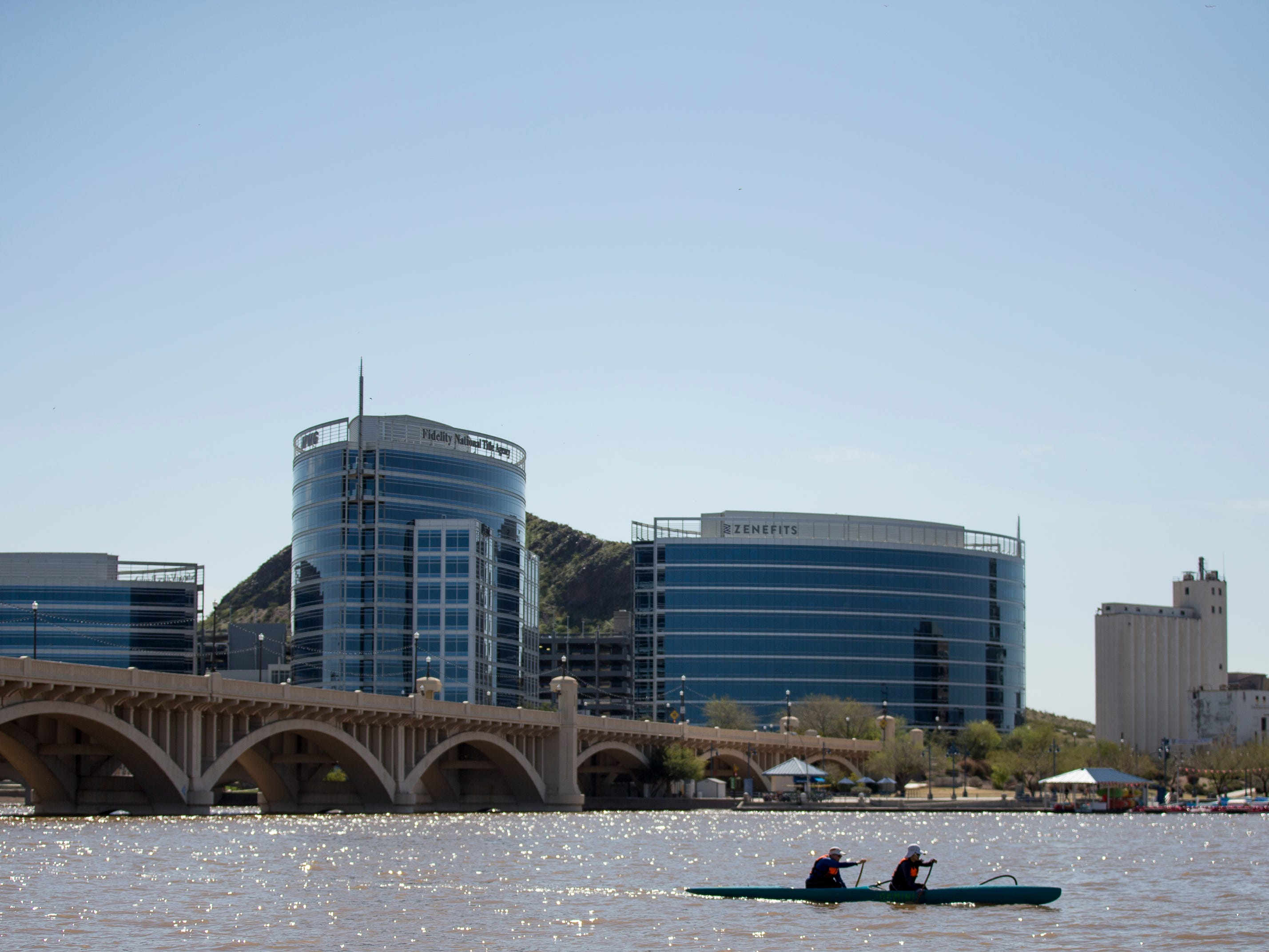 Phoenix just misses 100 degrees; sunny skies, warm temperatures expected through Easter