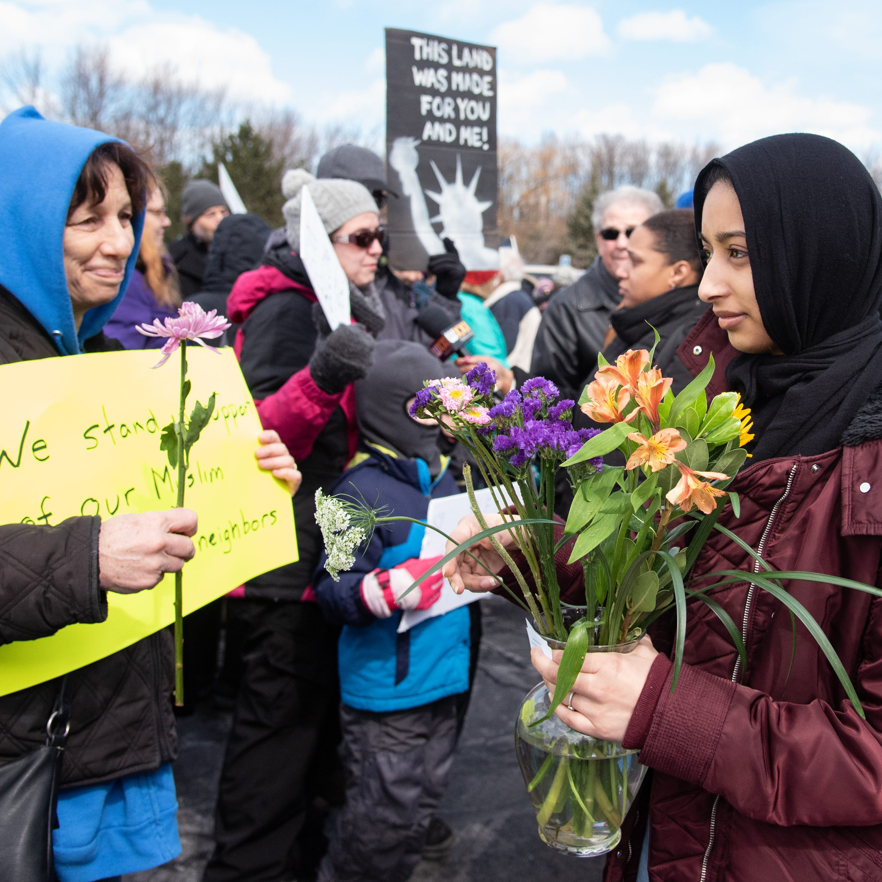 Rochester's faith communities gather by the hundreds to show support for area Muslims