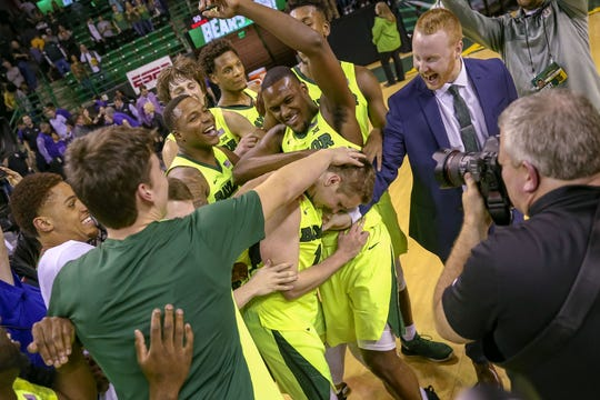 Feb 2, 2019; Waco, TX, USA; Baylor Bears guard Makai Mason (10) and his teammates celebrate his 40 point game against the TCU Horned Frogs at Ferrell Center. Mandatory Credit: Andrew Dieb-USA TODAY Sports