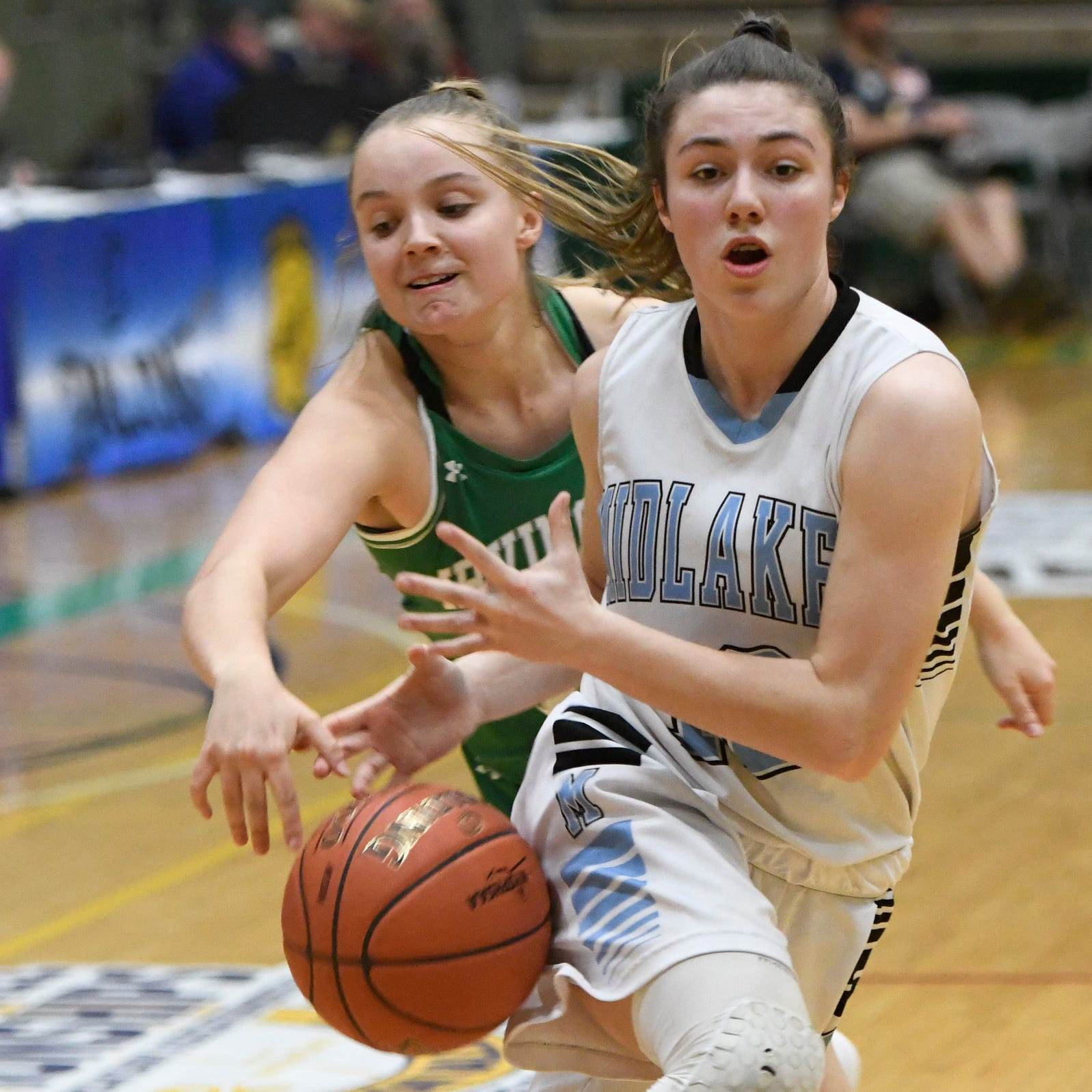 Midlakes runs into buzz saw, loses to hot-shooting Irvington in Class B state championship