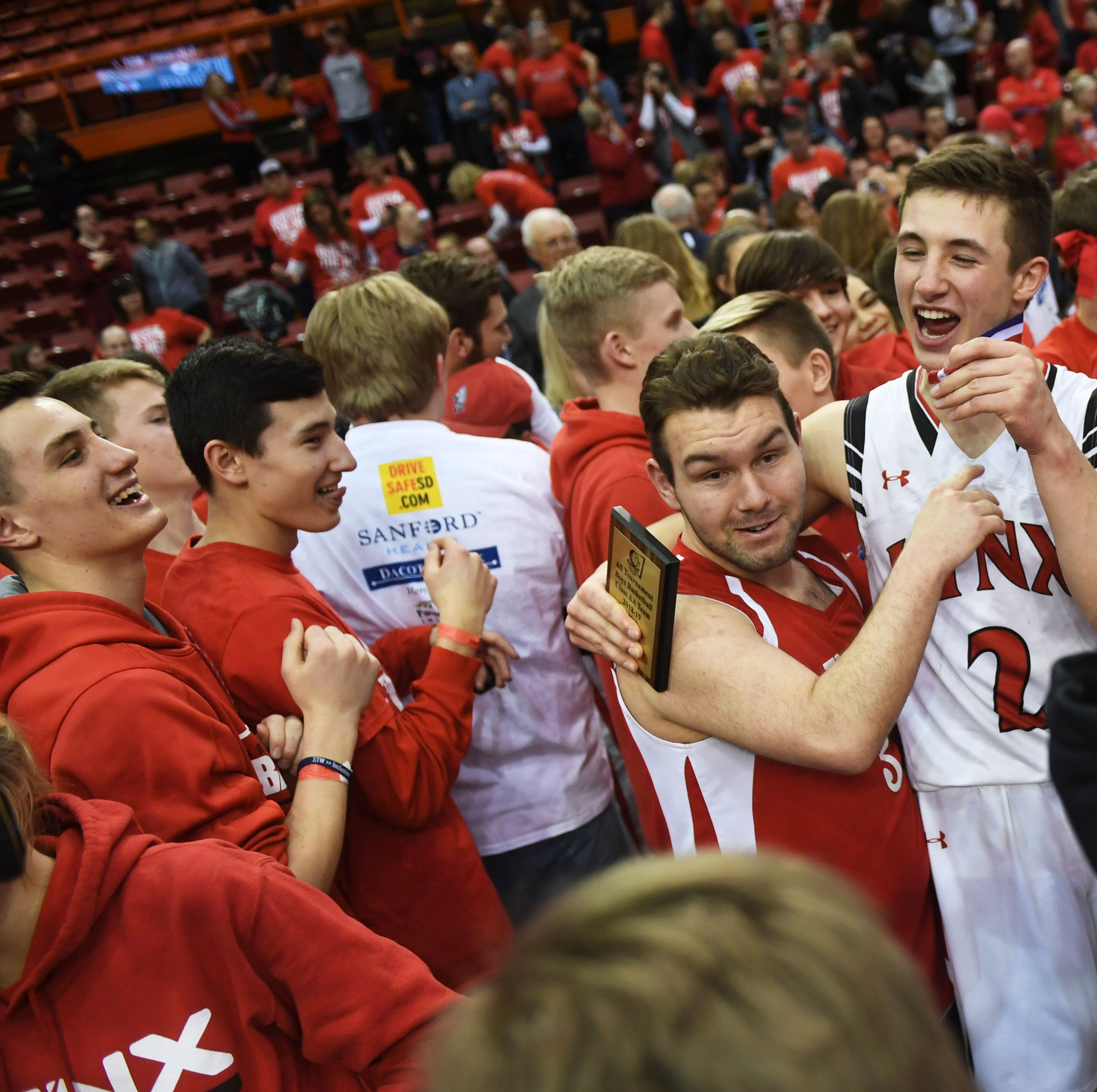 Brandon Valley boys complete Lynx sweep with win over O'Gorman