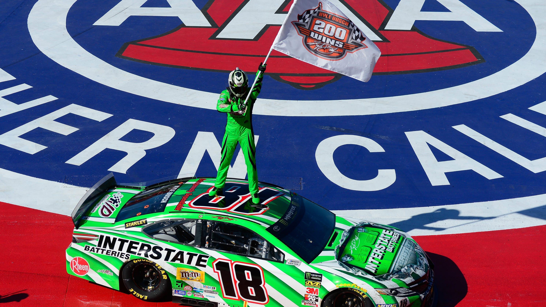 cbbe04b39a806 Kyle Busch scores milestone 200th NASCAR national series win
