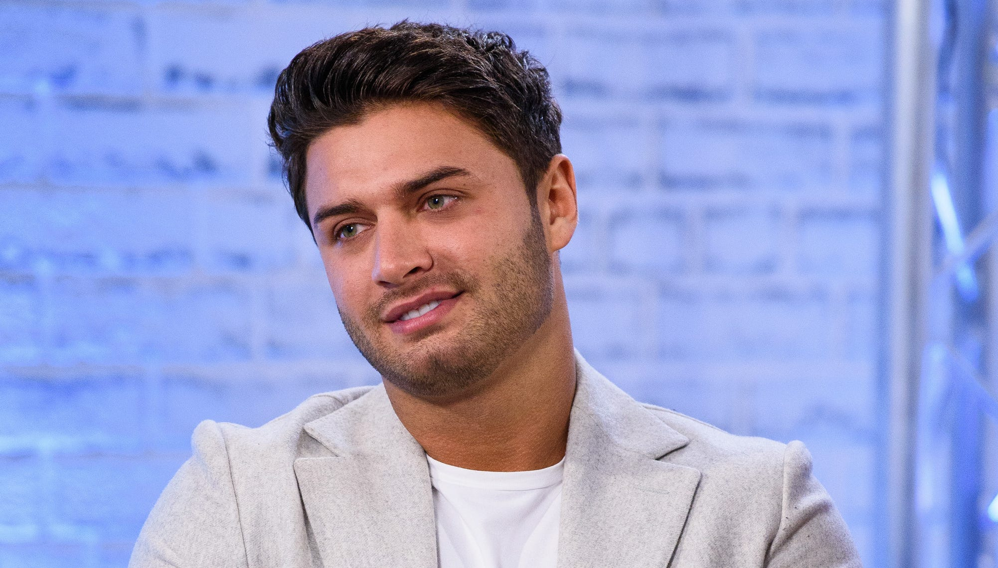 Love Island Reality Star Mike Thalassitis Dies At 26