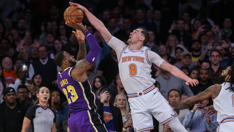 353d0ef1f470 Mario Hezonja blocks LeBron s final shot to seal Knicks win vs. Lakers
