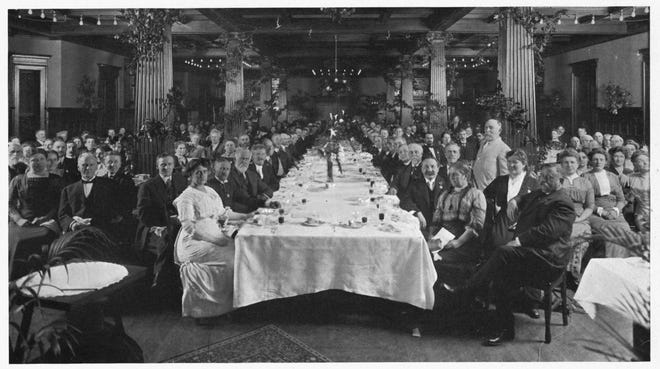 A vegetarian banquet at the Battle Creek Sanitarium during the first Race Betterment Conference in Battle Creek in 1914. Standing is Dr. John Harvey Kellogg.