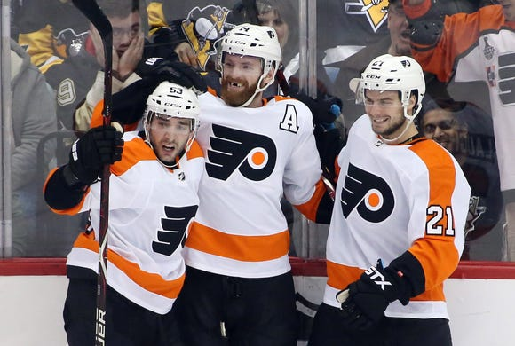 Sean Couturier scored with 3.4 seconds left in overtime to give the Flyers a win.